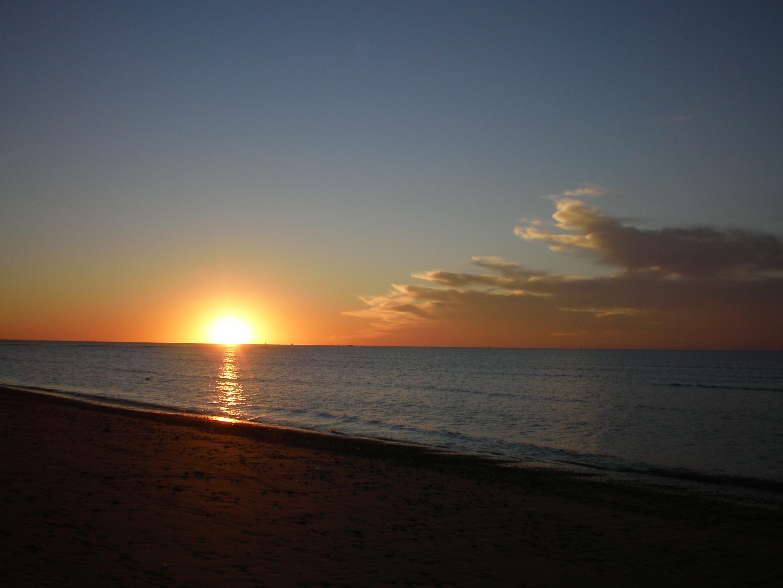 Foto playa La Jara. Puesta de sol desde La Jara Sanlúcar