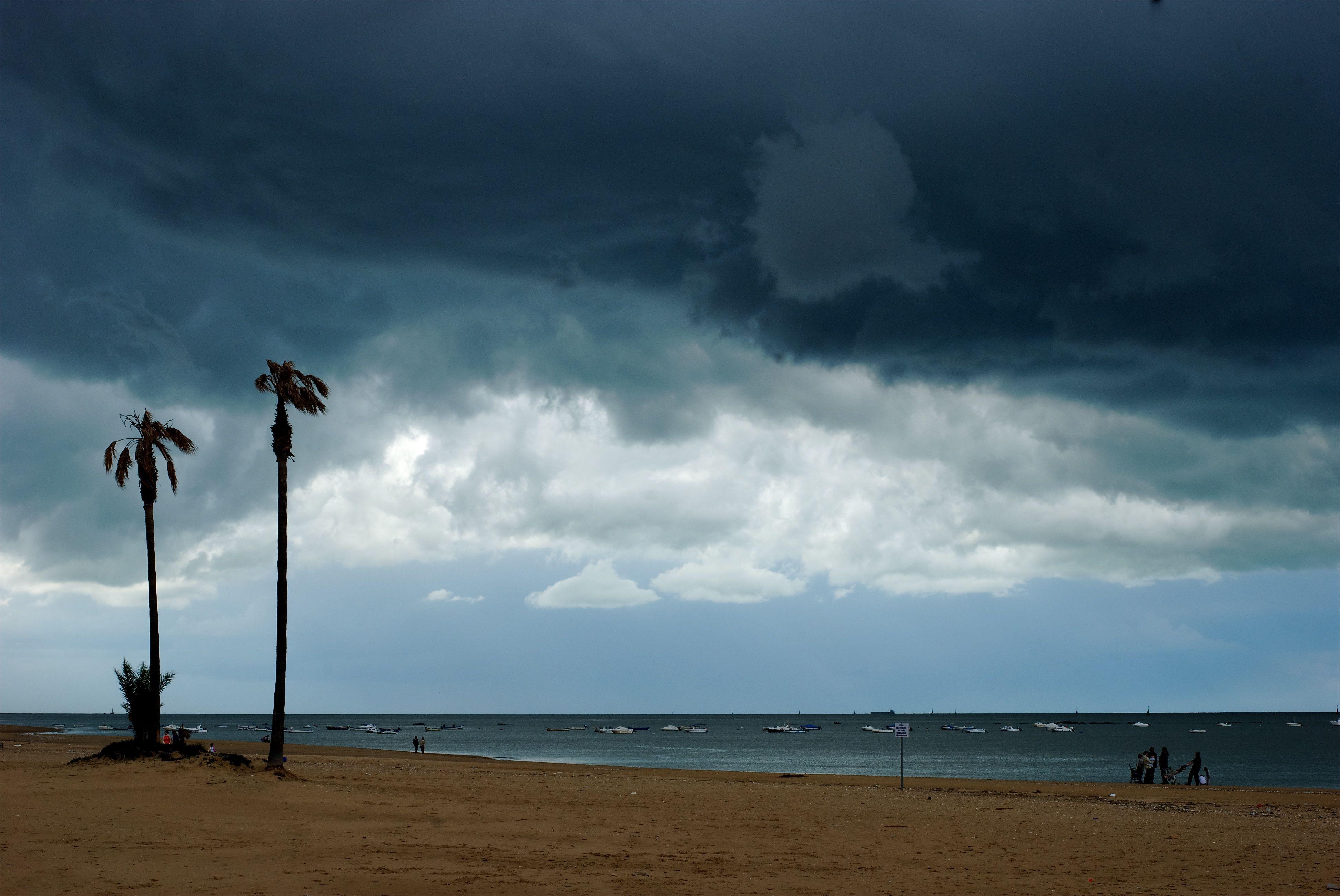 Foto playa La Calzada / El Hipódromo / Playa de Sanlúcar. Tormenta. Playa de la Calzada. Sanlucar de Barrameda