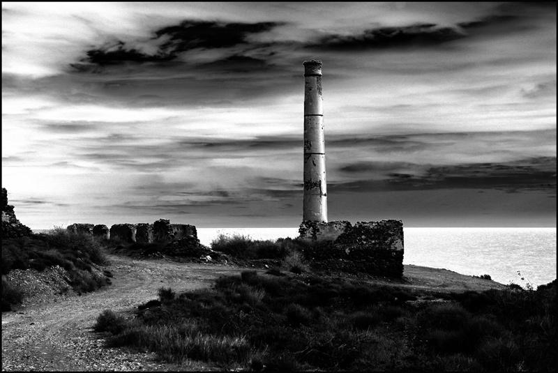 Foto playa El Calón. chimenea