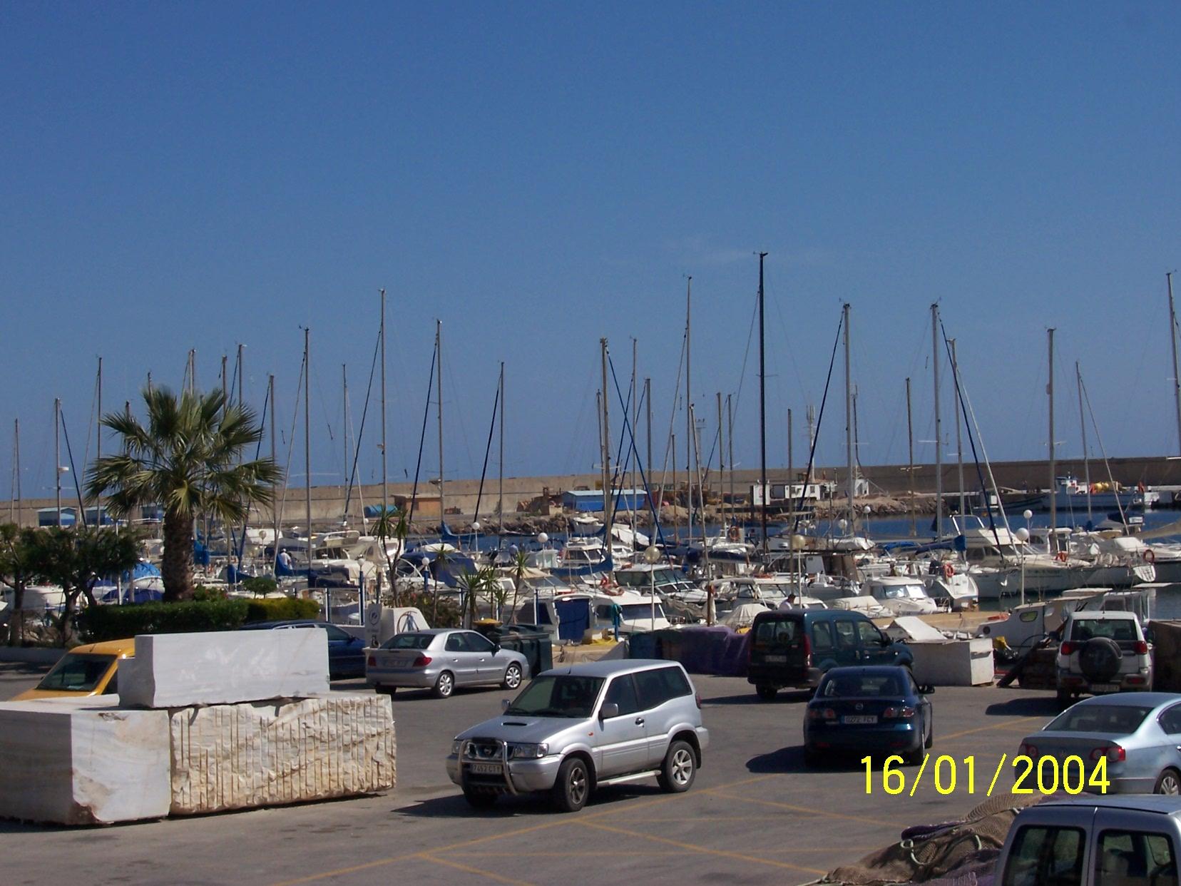 Foto playa Las Marinas-Bolaga / Las Marinas / Maricielo. puerto... 1