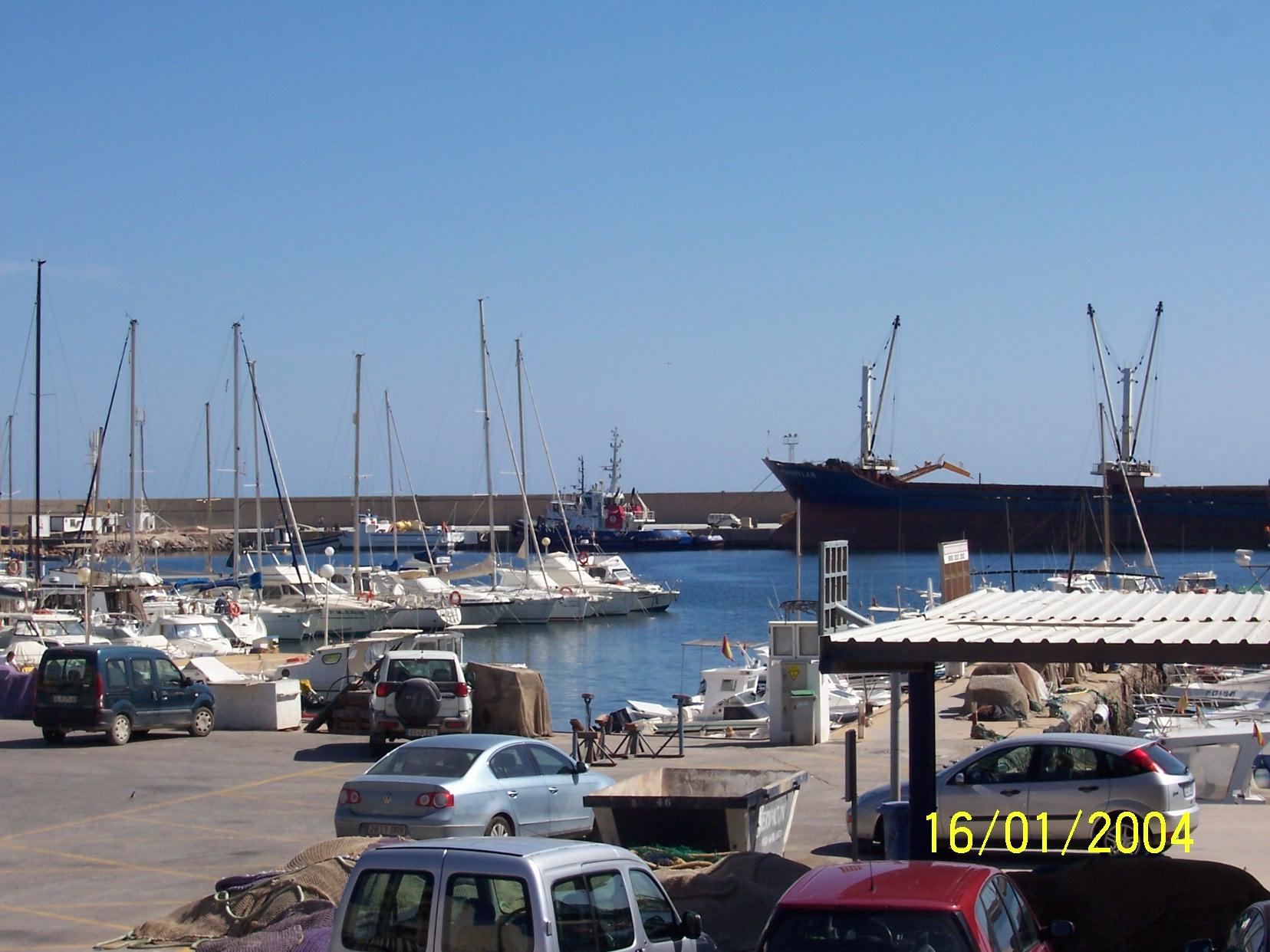Foto playa Las Marinas-Bolaga / Las Marinas / Maricielo. puerto 2
