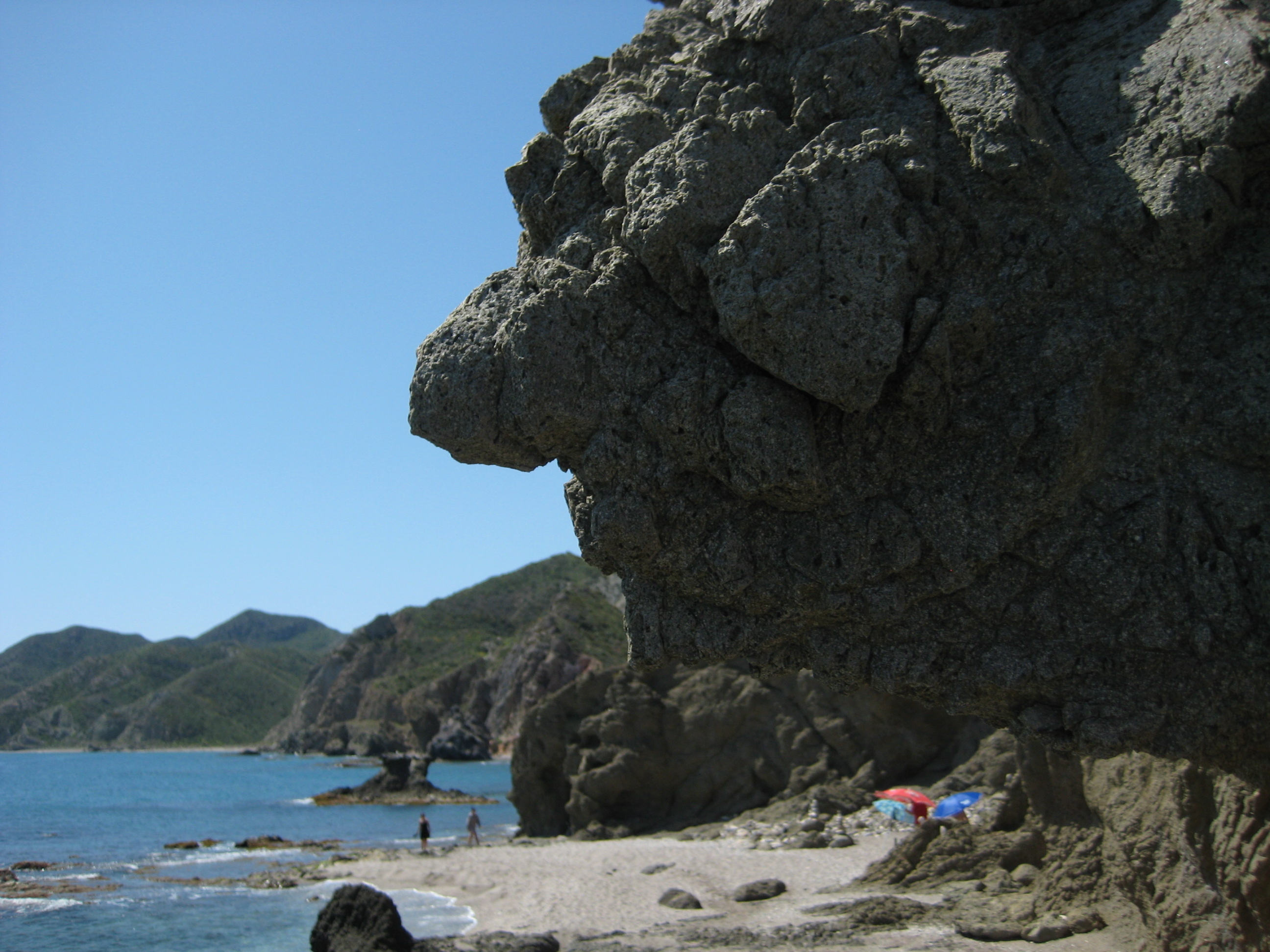 Foto playa Las Granatillas. Rock with 7-Dwarfs-Witch´s face shape ;)