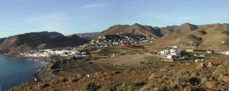 Foto playa Cala del Plomo. Panorámica de las Negras desde cerro Negro