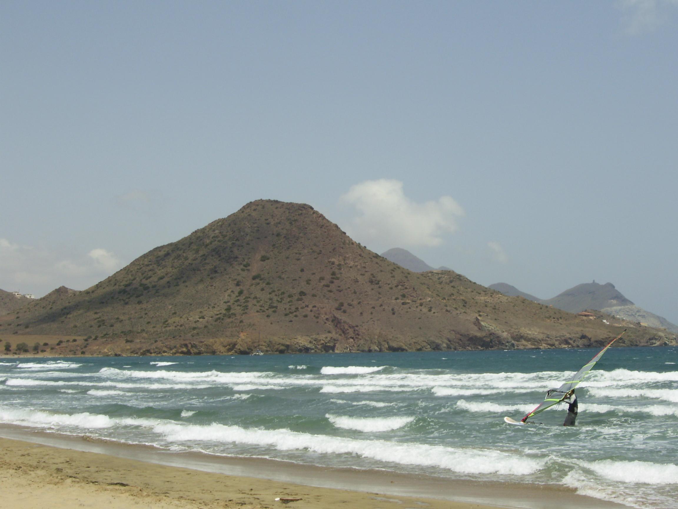 Foto playa Cala de los Amarillos. #87 - Surfing at Genoveses beach, Almería, Spain