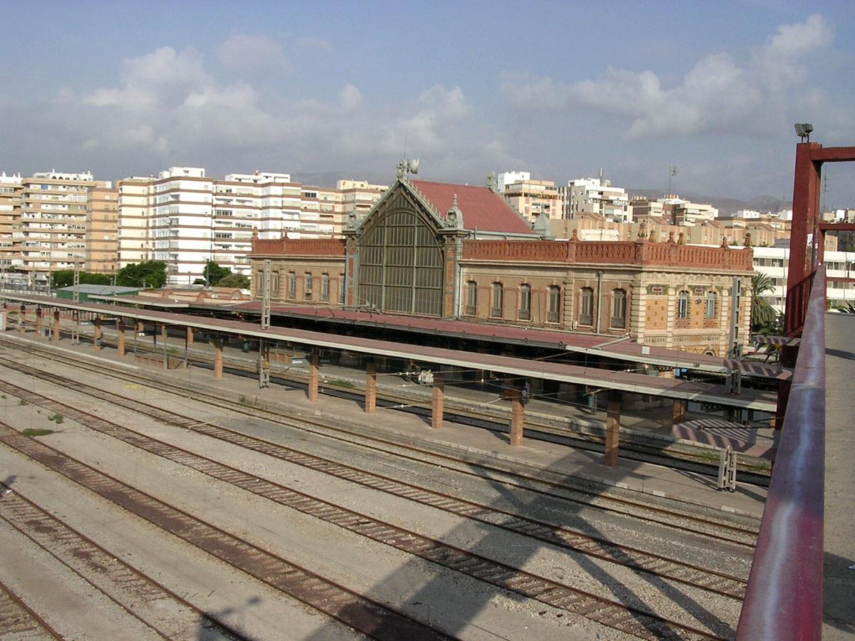 Foto playa Zapillo / Las Conchas. Estación de Tren - Almeria, Spain