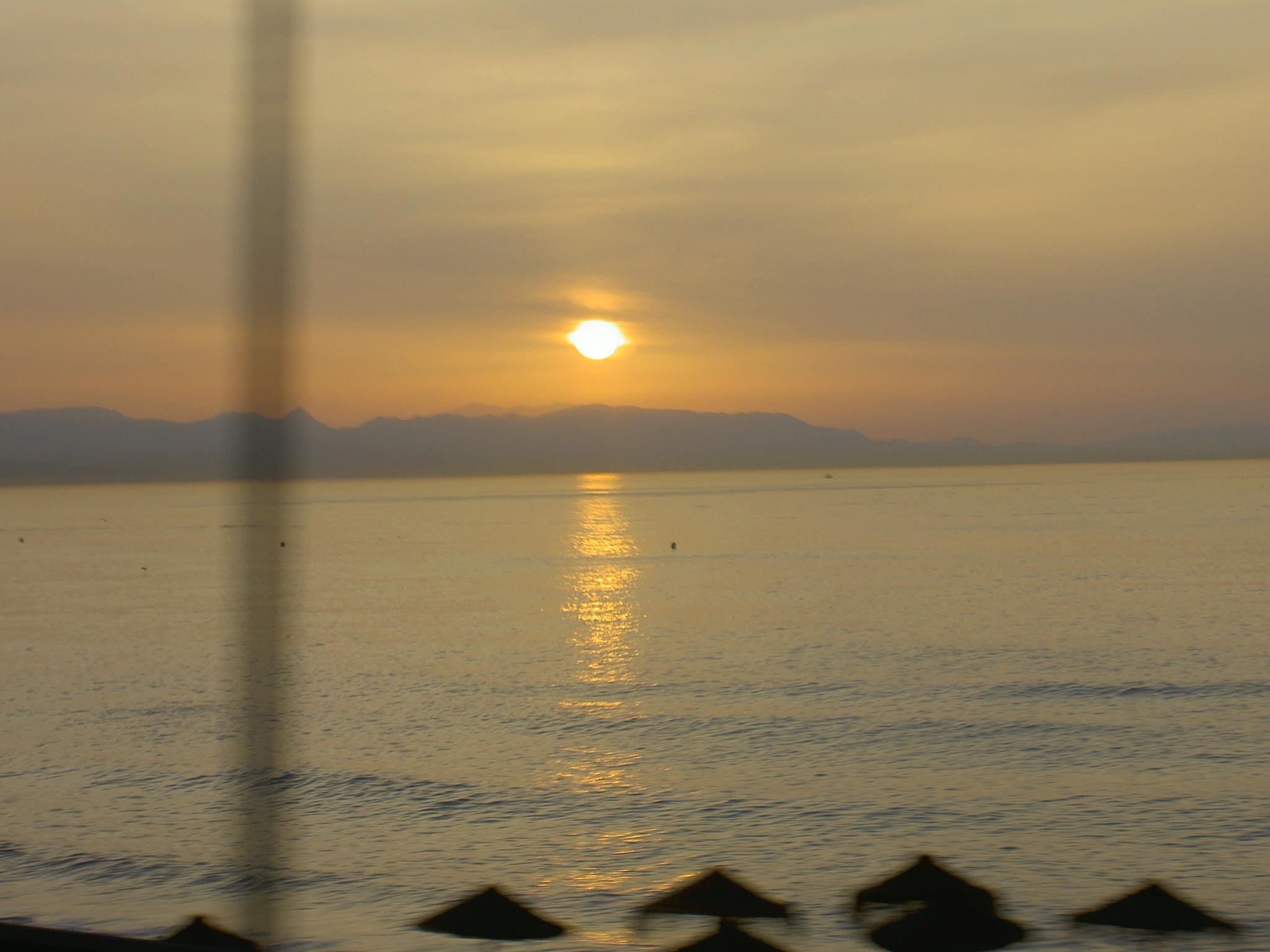 Foto playa La Gaviota / Fuente Ahijado. atardecer mediterraneo
