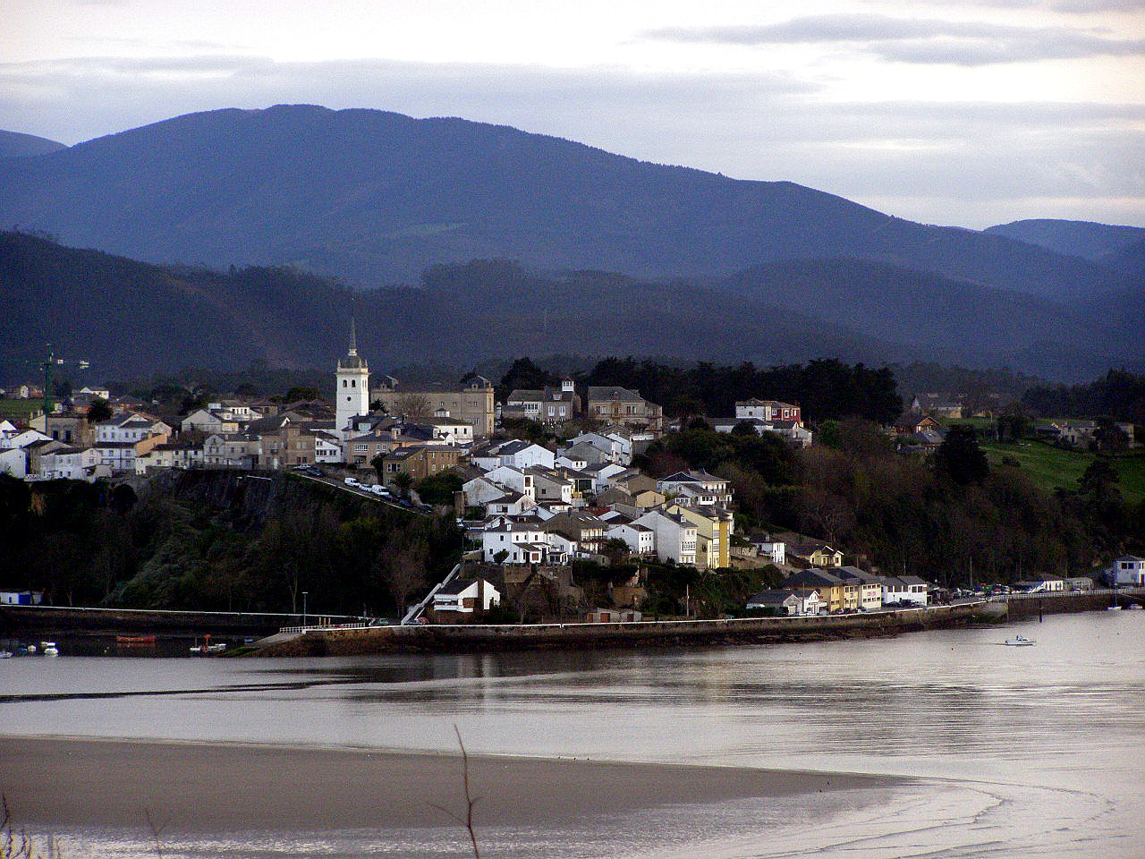 Foto playa Figueras. Ria del Eo, Castropol desde El Puente de los Santos, Asturias