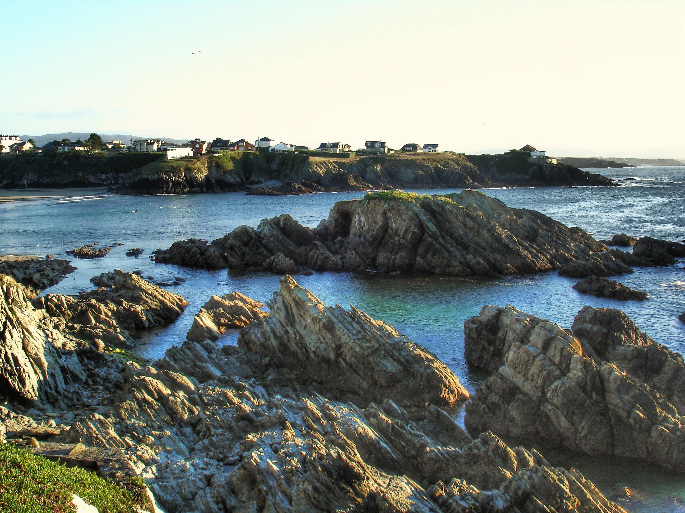 Foto playa El Murallón. Rocas. Tapia de Casariego.