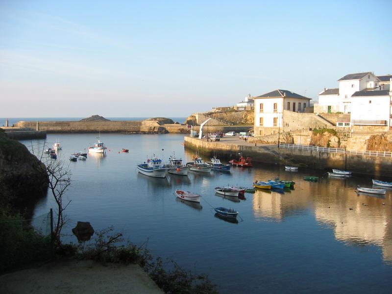 Foto playa El Murallón.   Tapia de Casariego, puerto