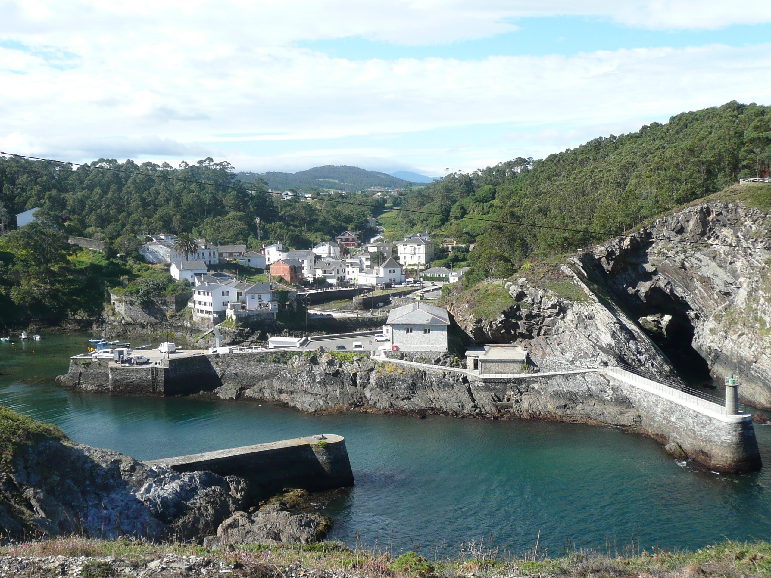 Foto playa Pormenande. Puerto de viavelez (Asturias)