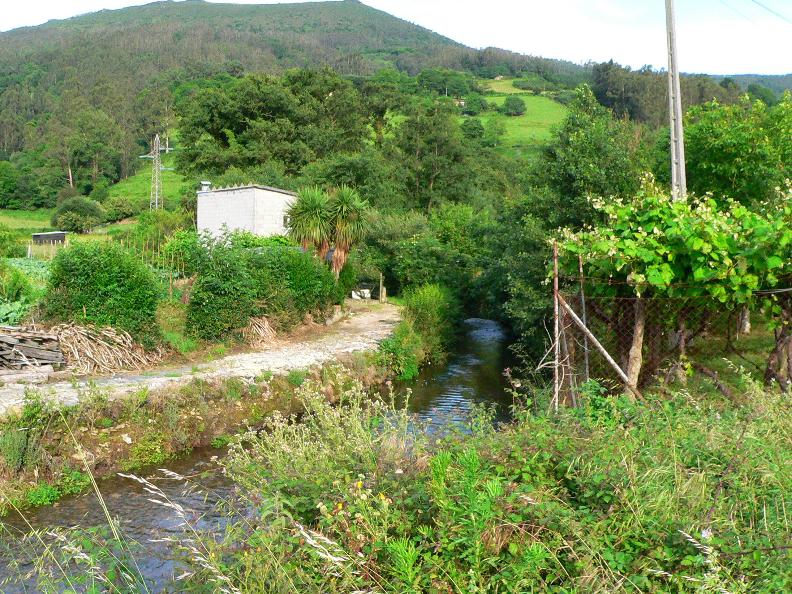 Foto playa Primera y Segunda de Luarca. Luarca asturias rio y paisaje
