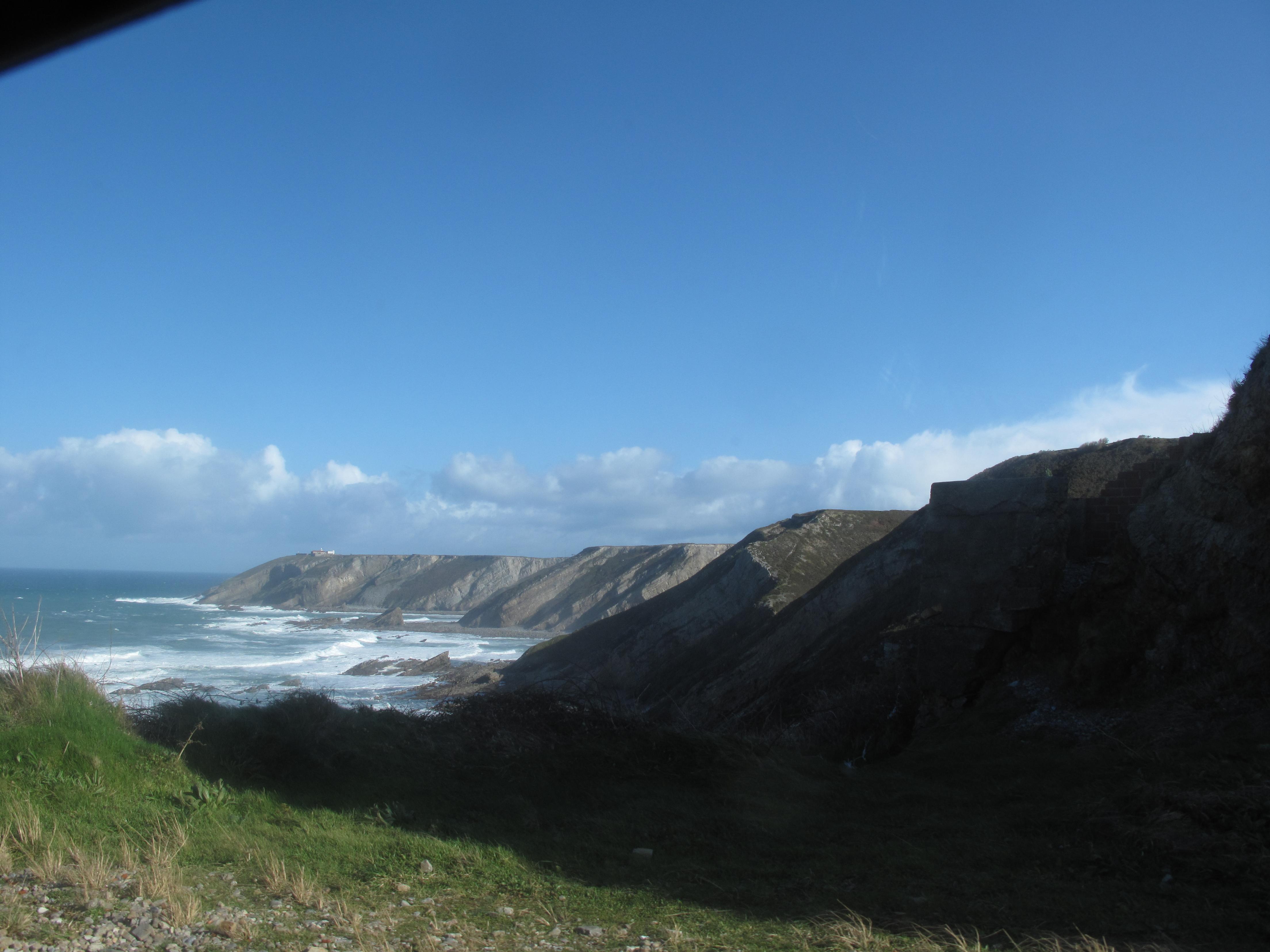 Foto playa Albuerne. Faro video, cudillero