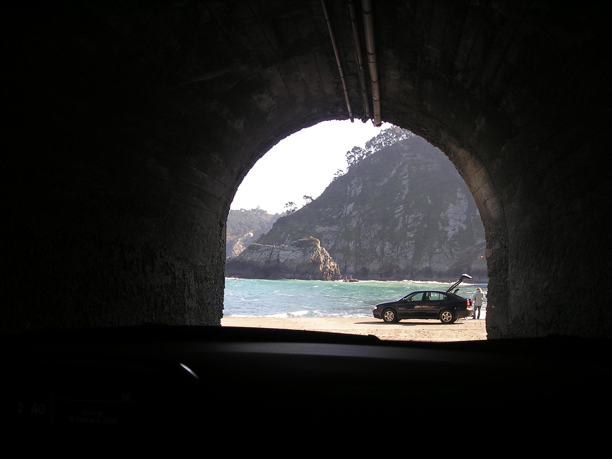 Foto playa El Castrillón. Tunel Cetarea