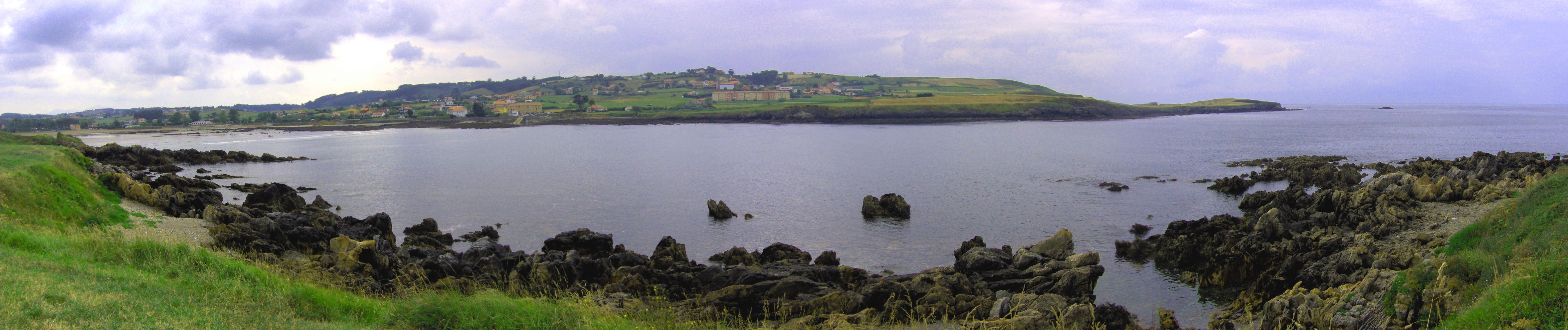 Foto playa Bañugues. Panorámica de Bañugues