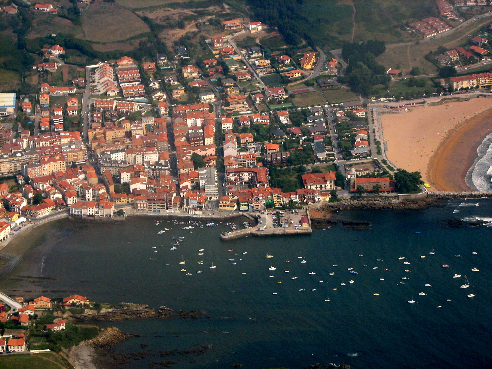 Playa Luanco / Santa Marina