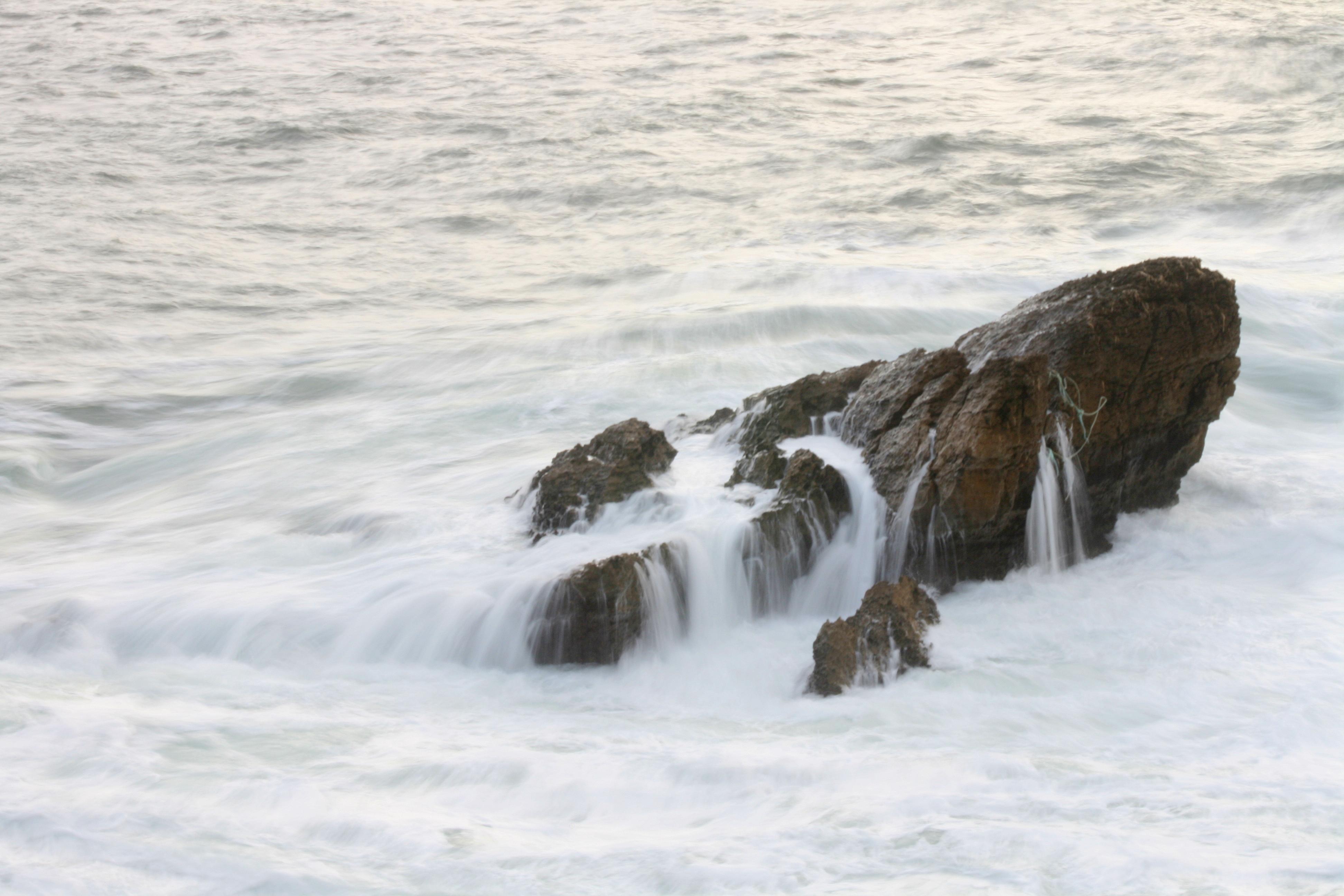 Foto playa San Pedro de Antromero. Bañado por el Cantábrico