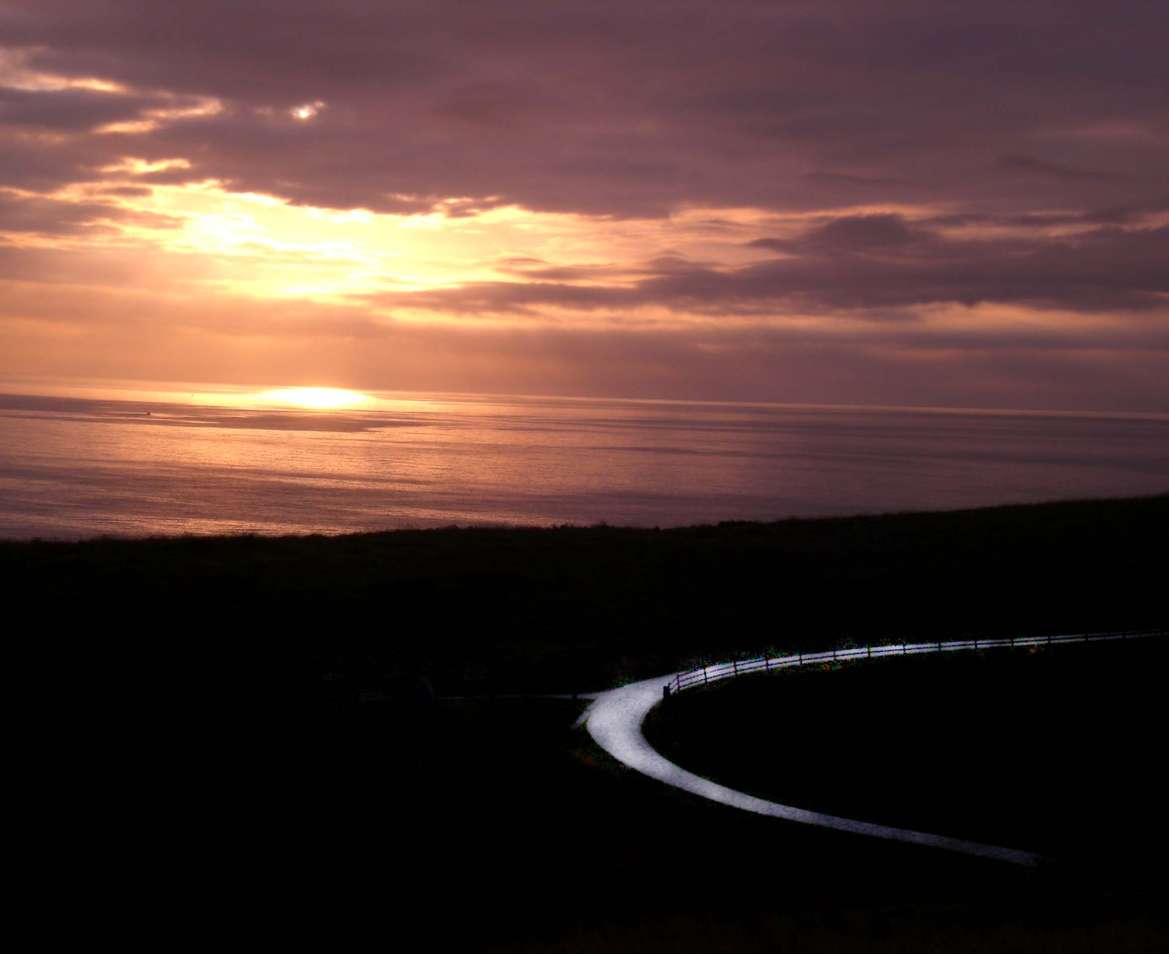 Foto playa Cagonera y Serín. Caminante no hay camino, se hace camino al andar.