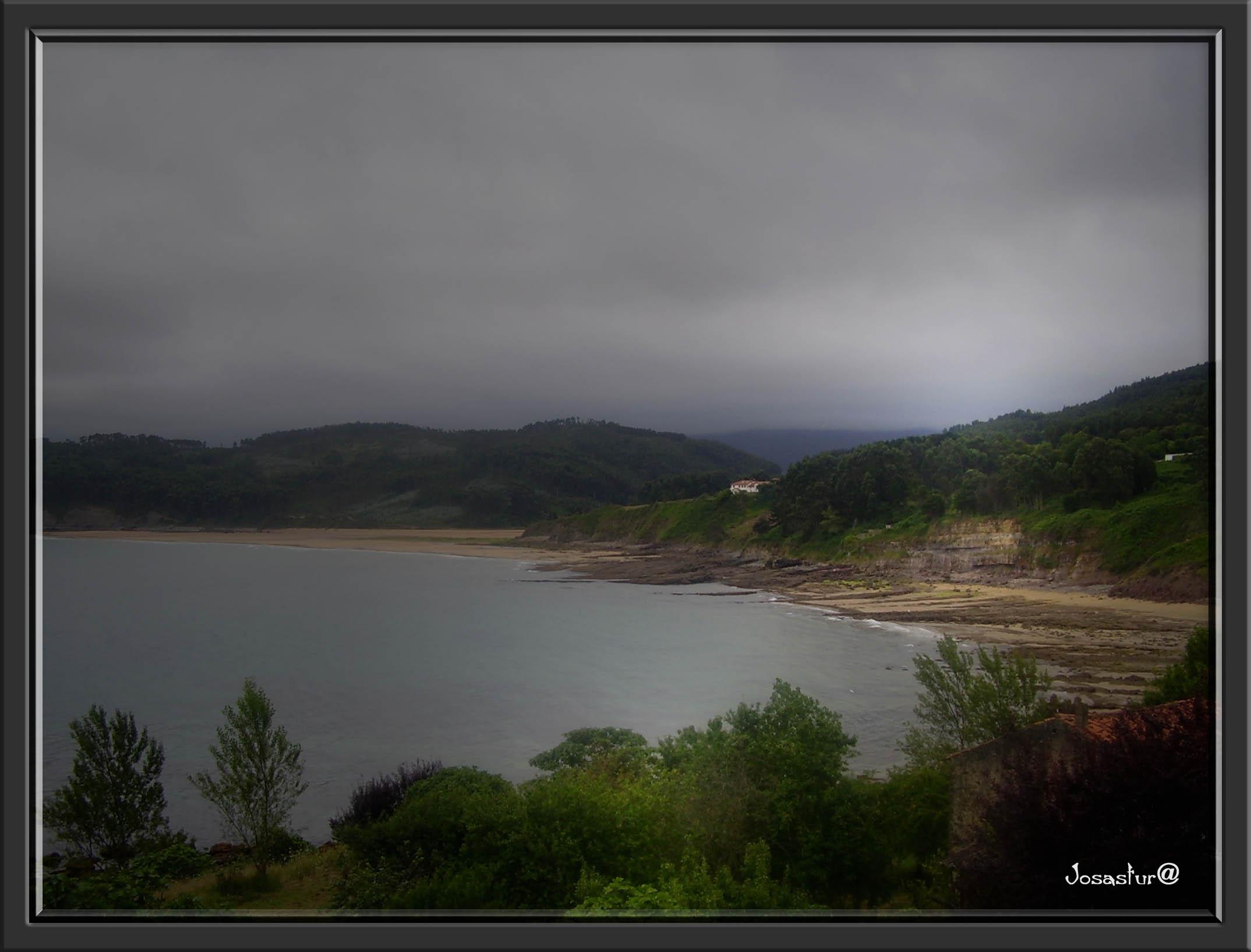 Foto playa La Griega / La Cabaña del Mar. Alrededores de Lastres  ( Asturias )