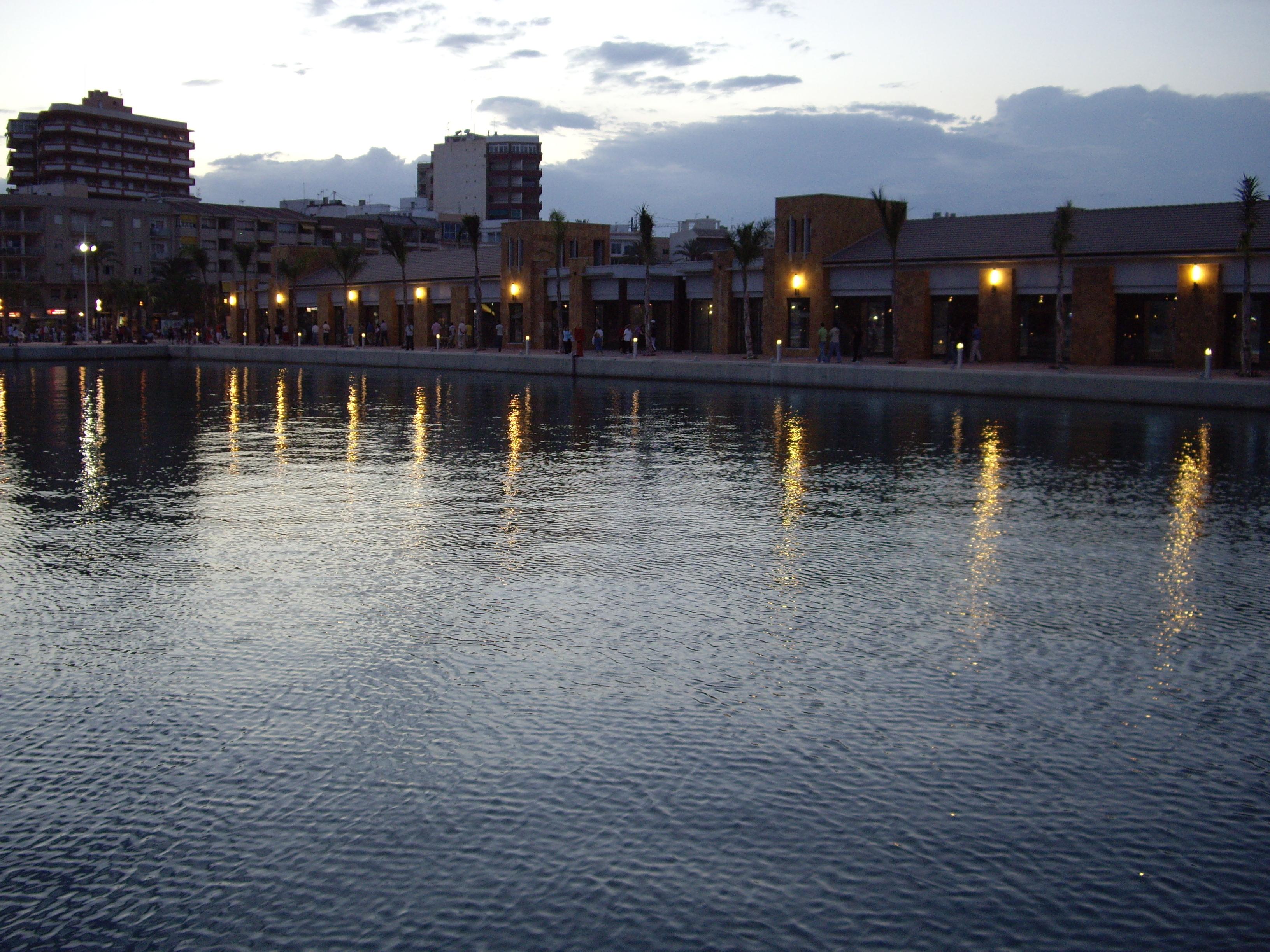 Foto playa La Isla. Nuevo puerto de mazarrón