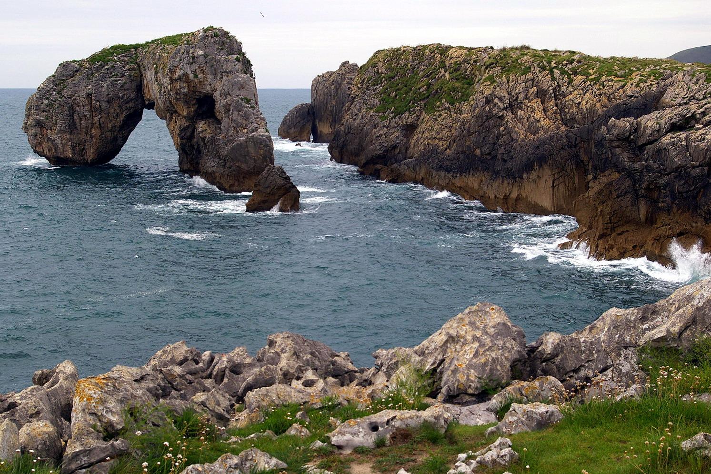 Foto playa La Huelga. Acantilados y cañón de Villahormes, LLanes, Asturias