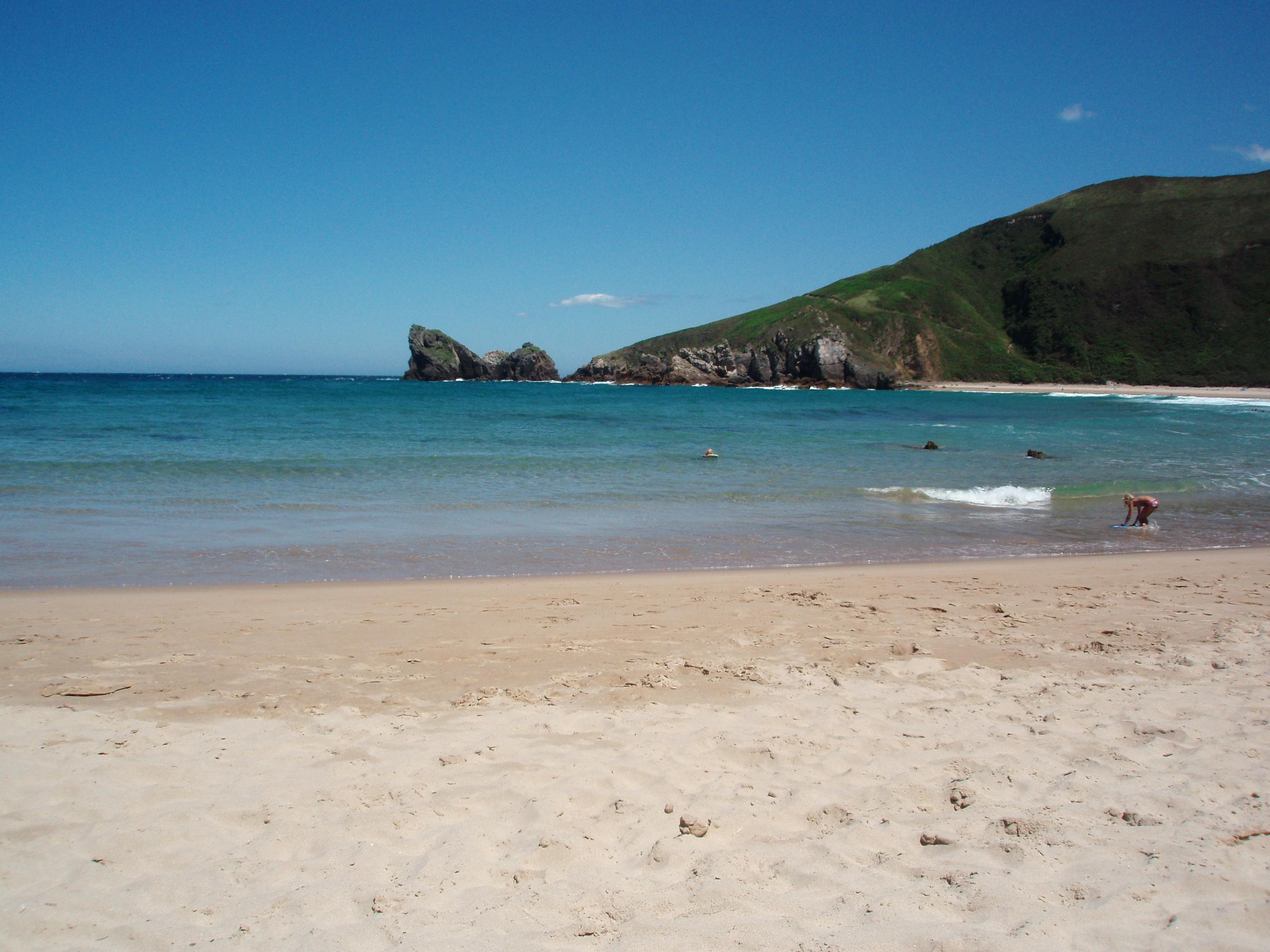 Foto playa Pestaña / Portaquinos. DESDE PLAYA DE TORIMBIA - LLANES - ASTURIAS