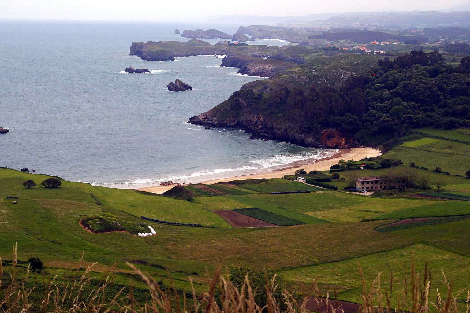 Foto playa La Entrada. Playa de Toranda, Niembro, LLanes, Asturias