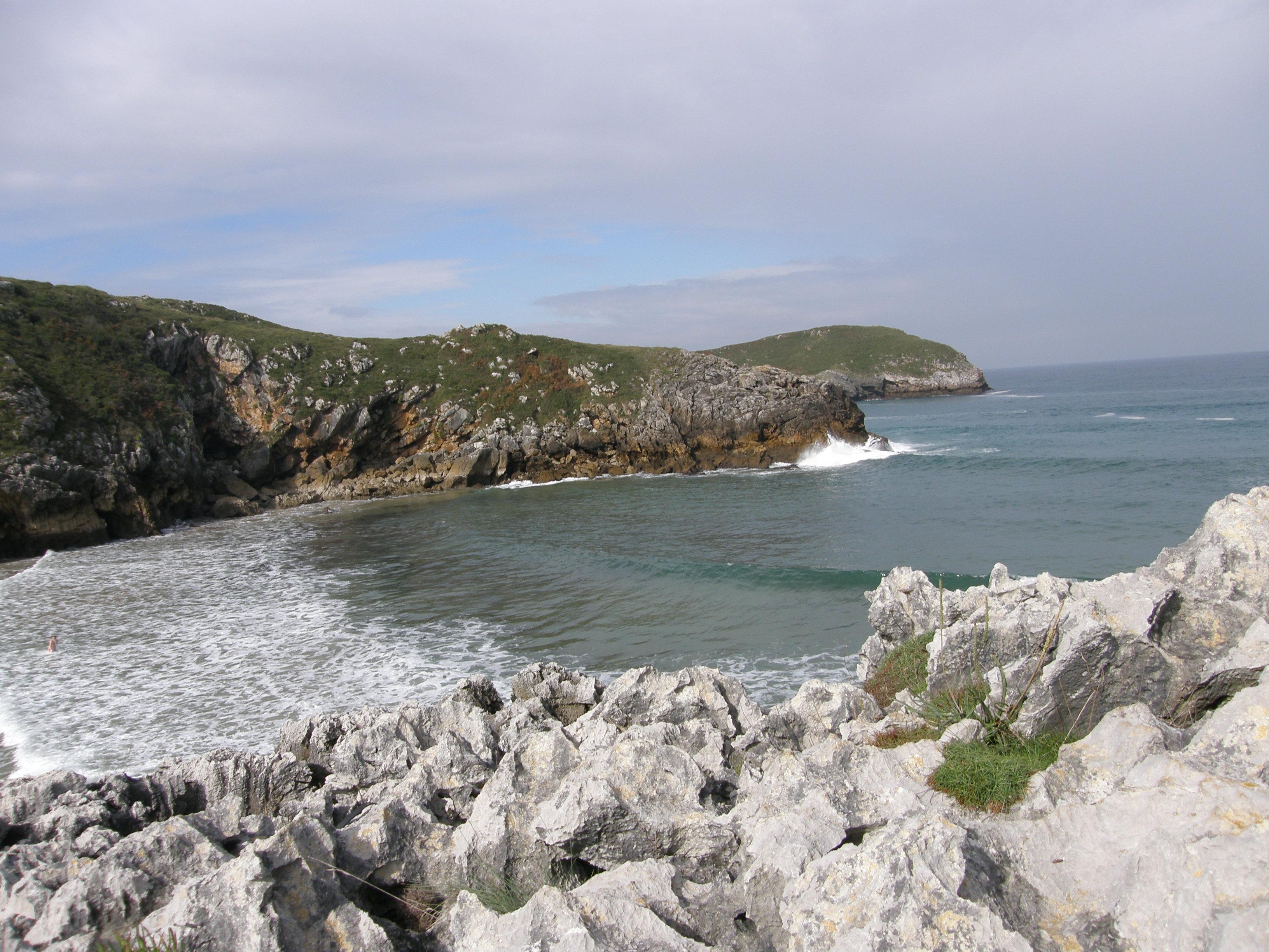 Foto playa El Portiello de San Martín. Poo de Llanes
