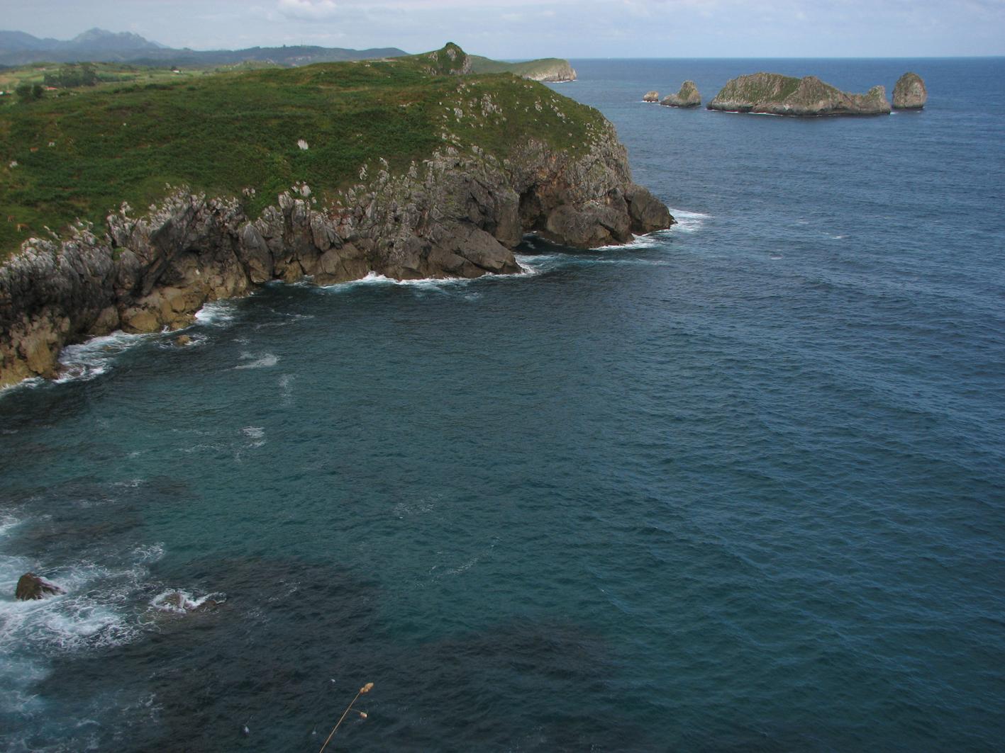 Foto playa La Talá / Naranxu. Los Castros de Poo, desde La Talá-1. Llanes. Principado de Asturias.
