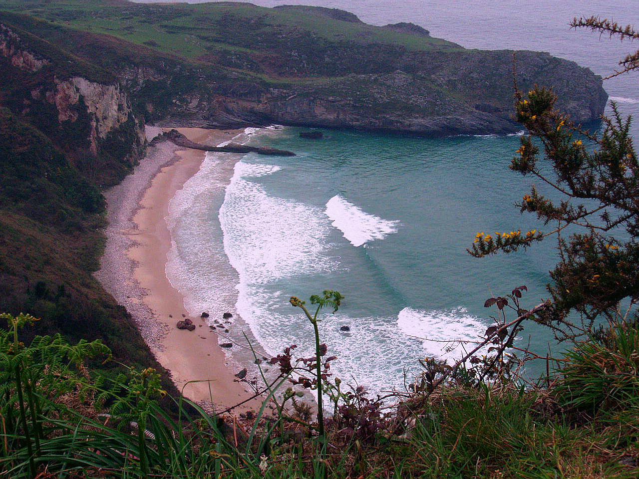 Foto playa Andrín. Playa de Ballota, Andrin, LLanes, Asturias
