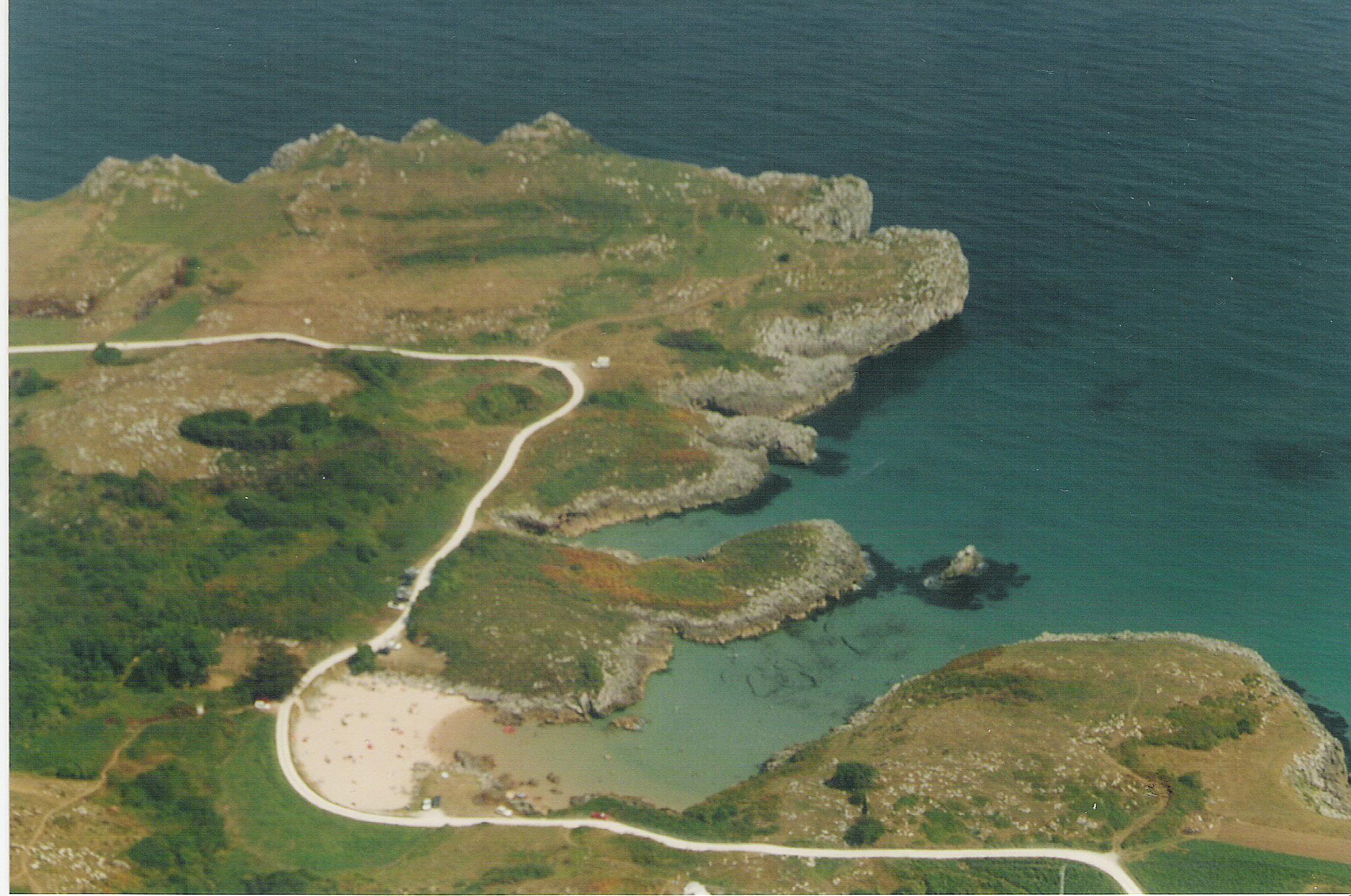 Foto playa Buelna / Arenillas. Asturias desde el aire (playa de Buelna)