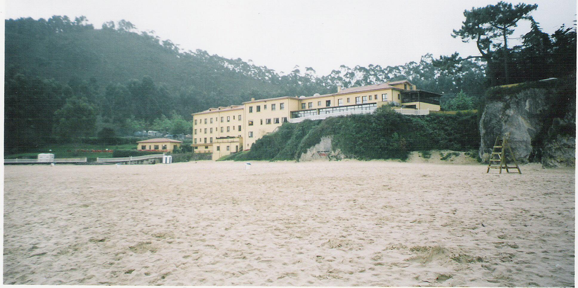 Foto playa La Acacia / Las Gaviotas / Jorconera. La Franca (Hotel amarillo)
