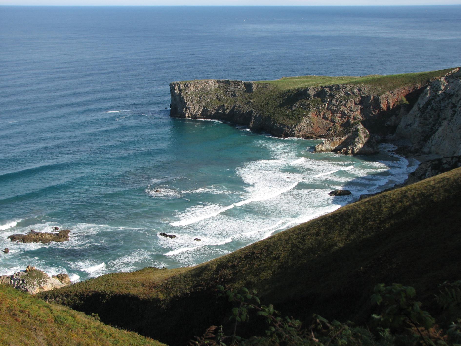 Foto playa El Oso. Mendía. La Franca. Principado de Asturias.