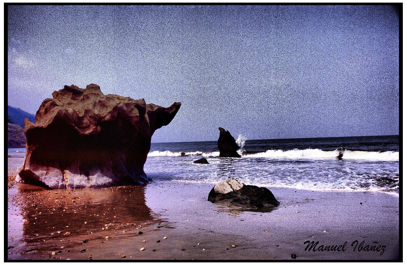 Foto playa Aramal. Elefante de Piedra en la Playa