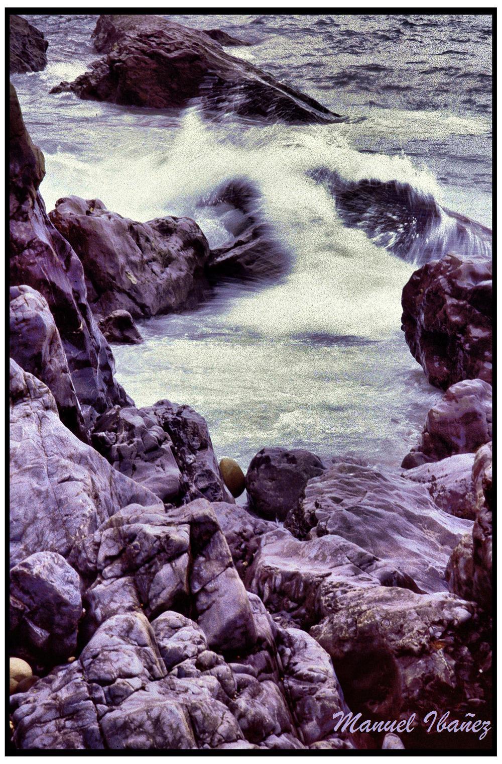 Foto playa Aramal. Piedras y Mar
