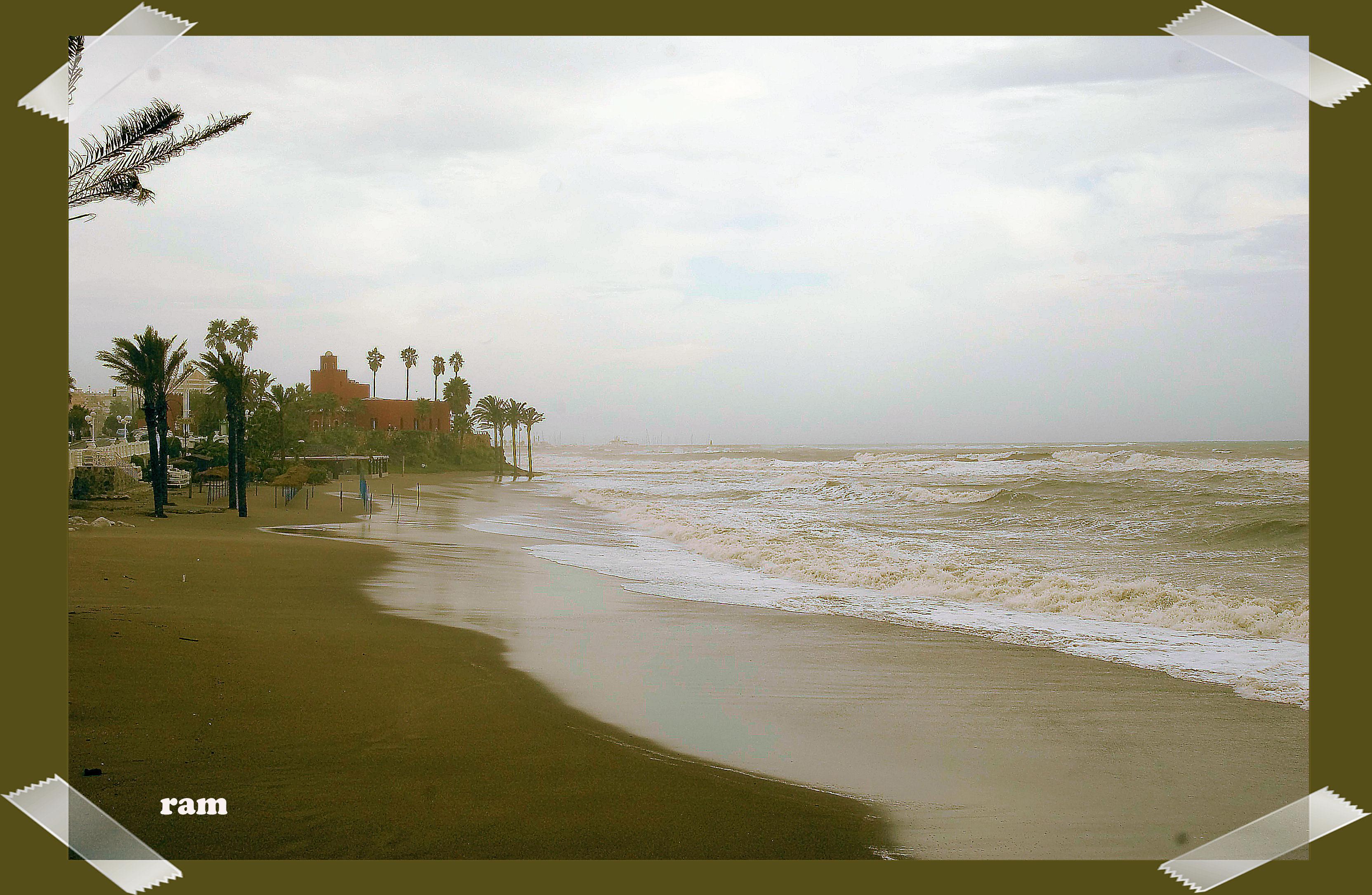 Foto playa Arroyo de la Miel.