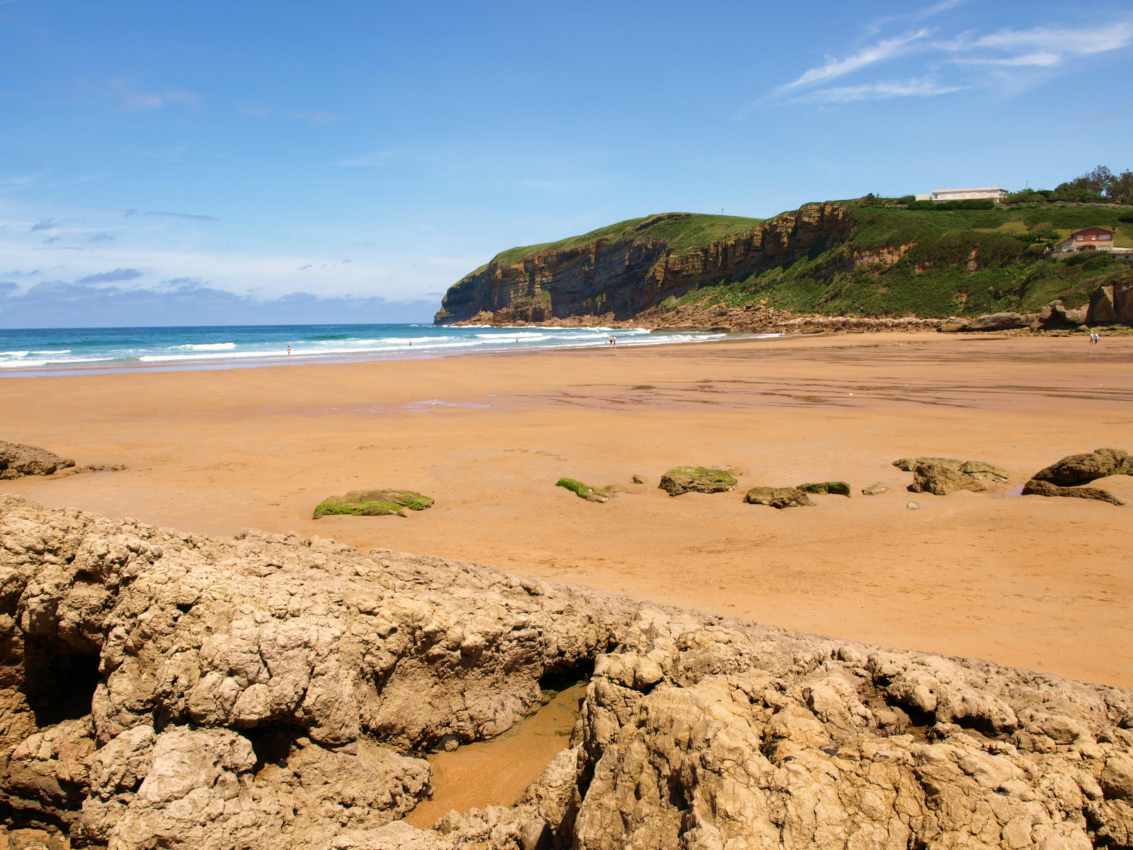 Foto playa Luaña / Cóbreces. CAMINANDO HASTA INGLATERRA- BAJAMAR EN PLAYA LUAÃ'A - CANTABRIA