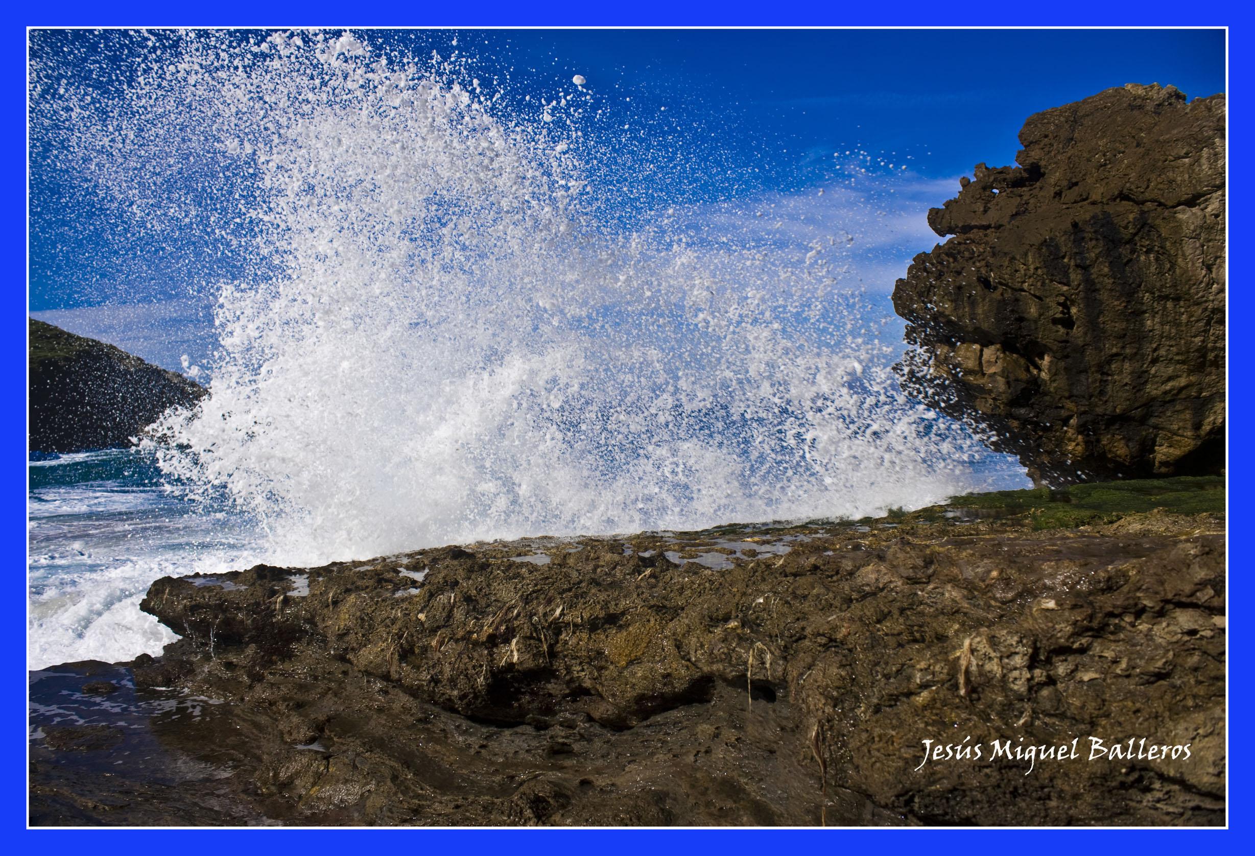 Foto playa Santa Justa. *Ola..............Una De Muchas