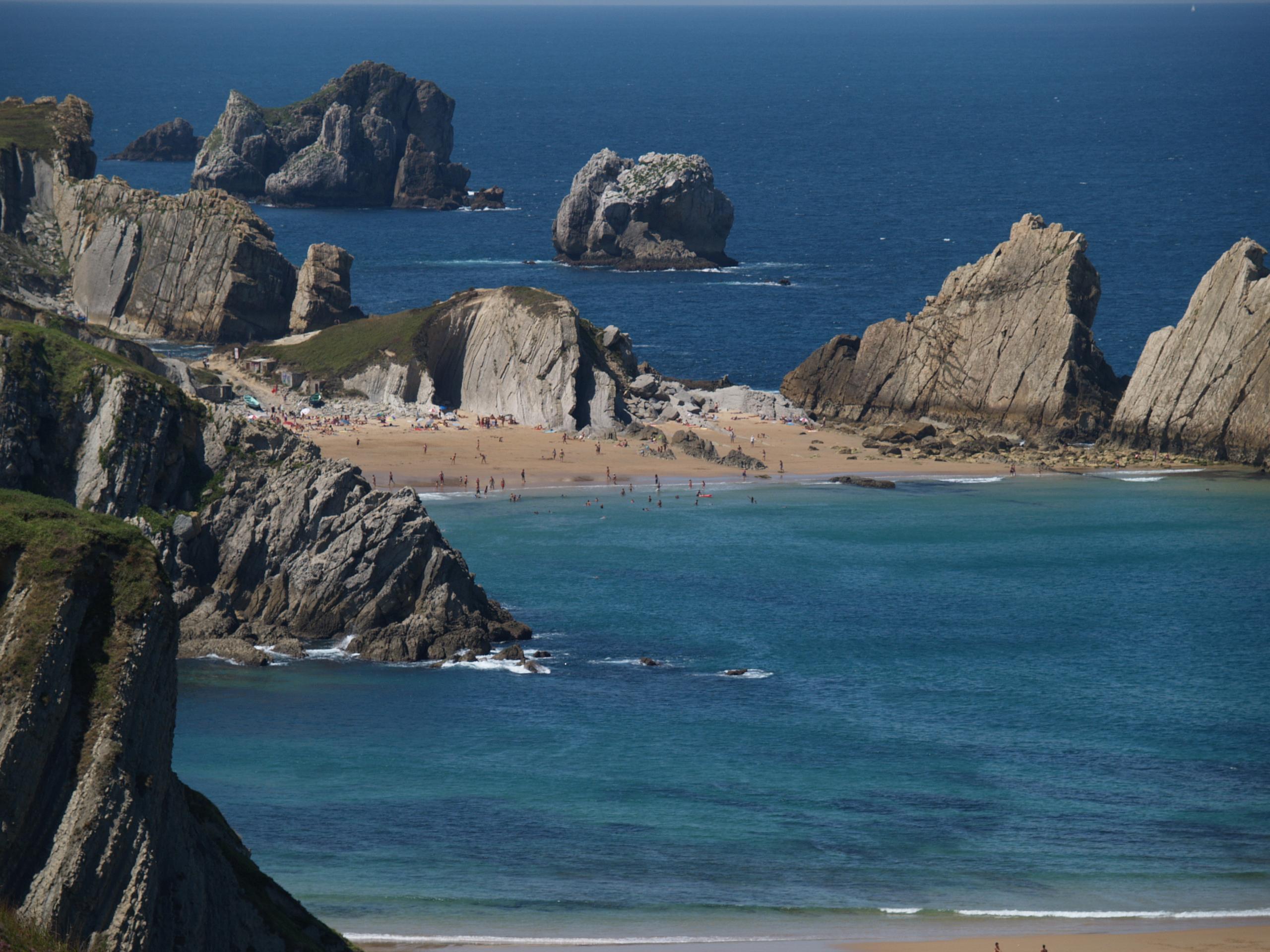 Foto playa Covachos. Cantabria, Playa de La Arnia