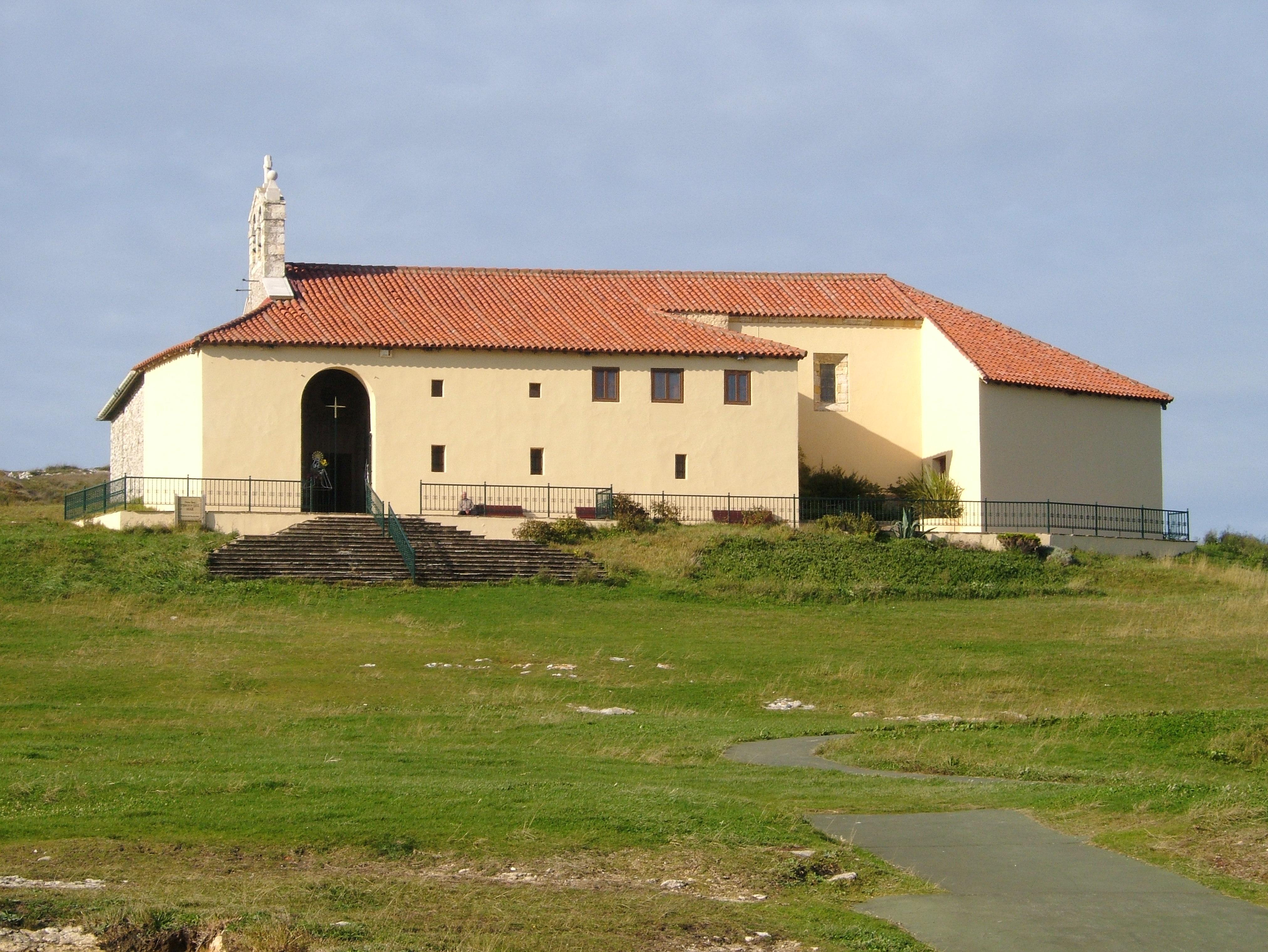Foto playa Virgen del Mar. Ermita de la Virgen del Mar ,