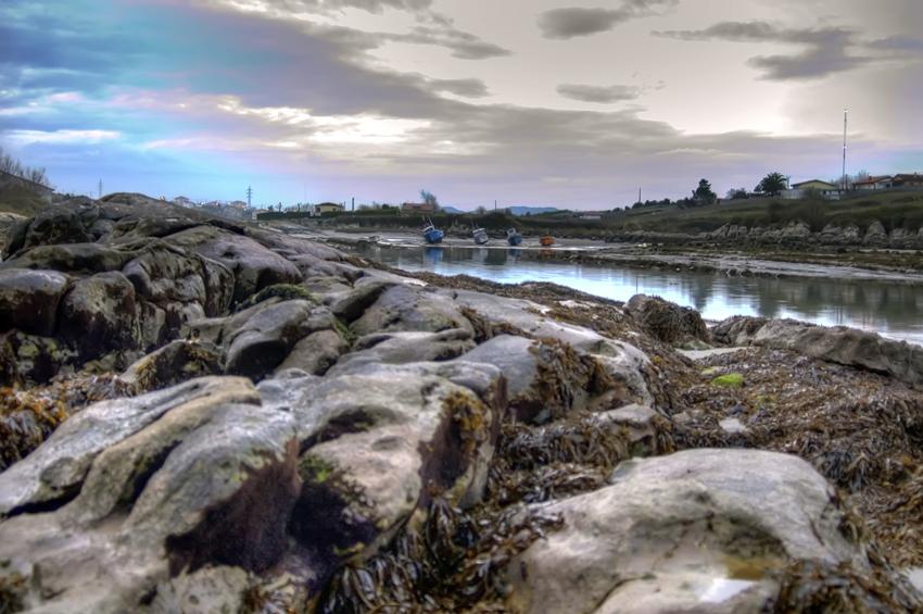 Foto playa El Bocal. La Maruca. Santander. Nubes azules