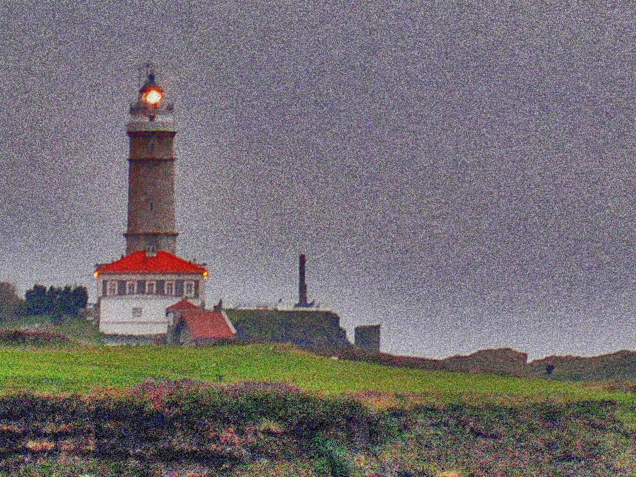 Foto playa Mataleñas. Faro de Santander desde Mataleñas