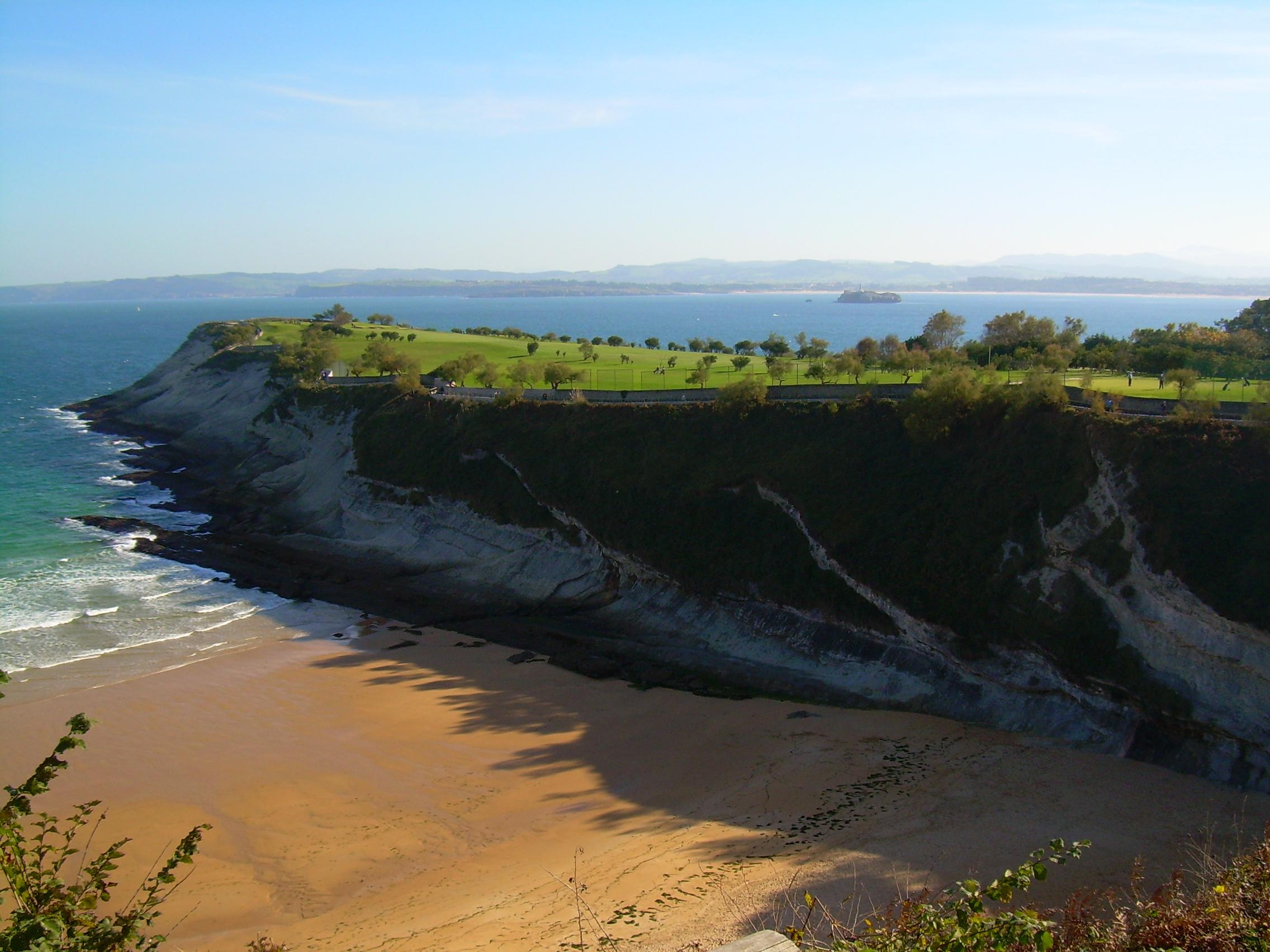 Foto playa Molinucos. santander -Topide
