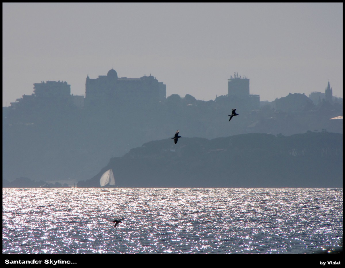 Foto playa Langre II. Santander skyline...