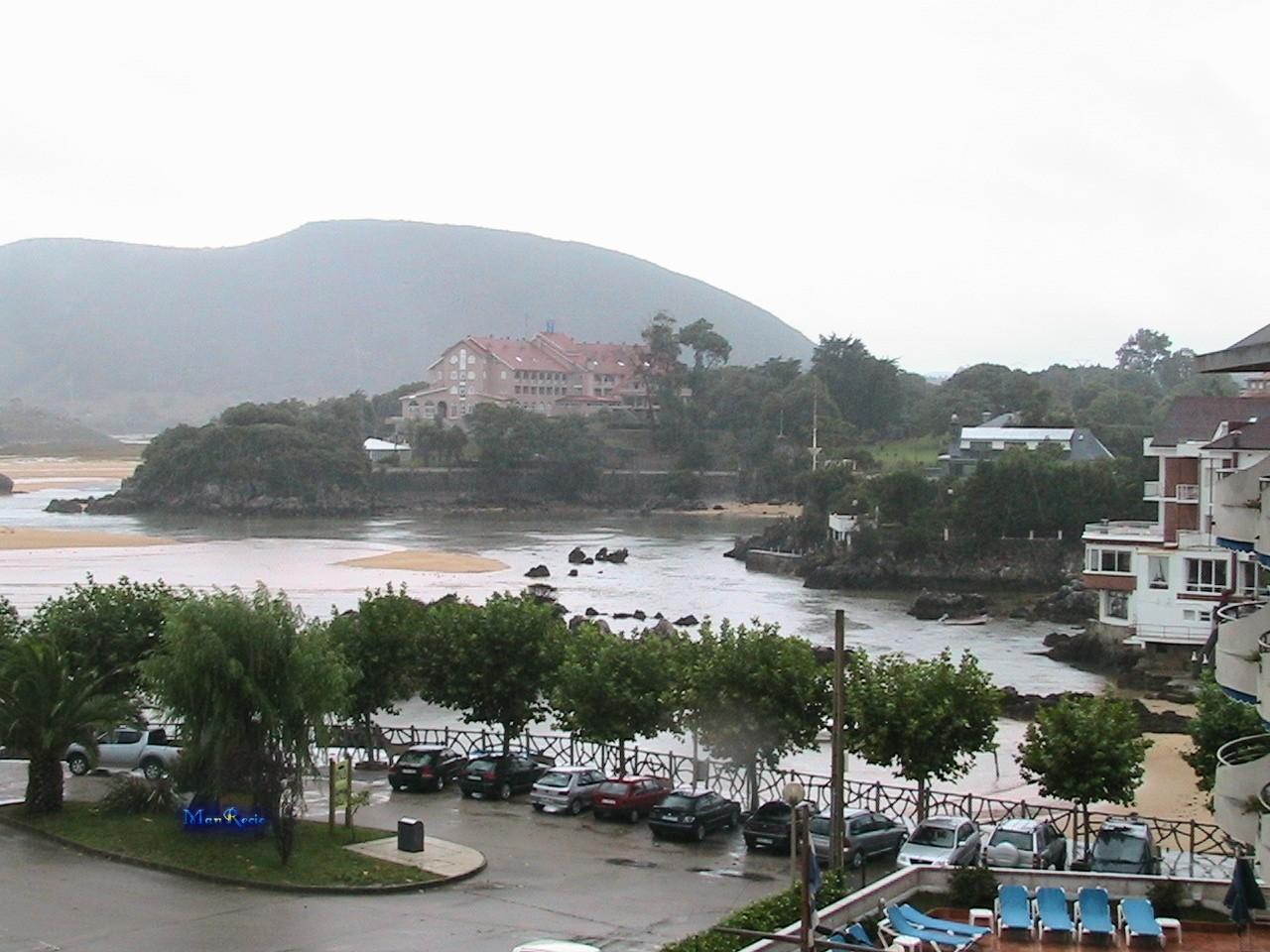 Foto playa Los Franceses / Arnadal. Isla (Cantabria)