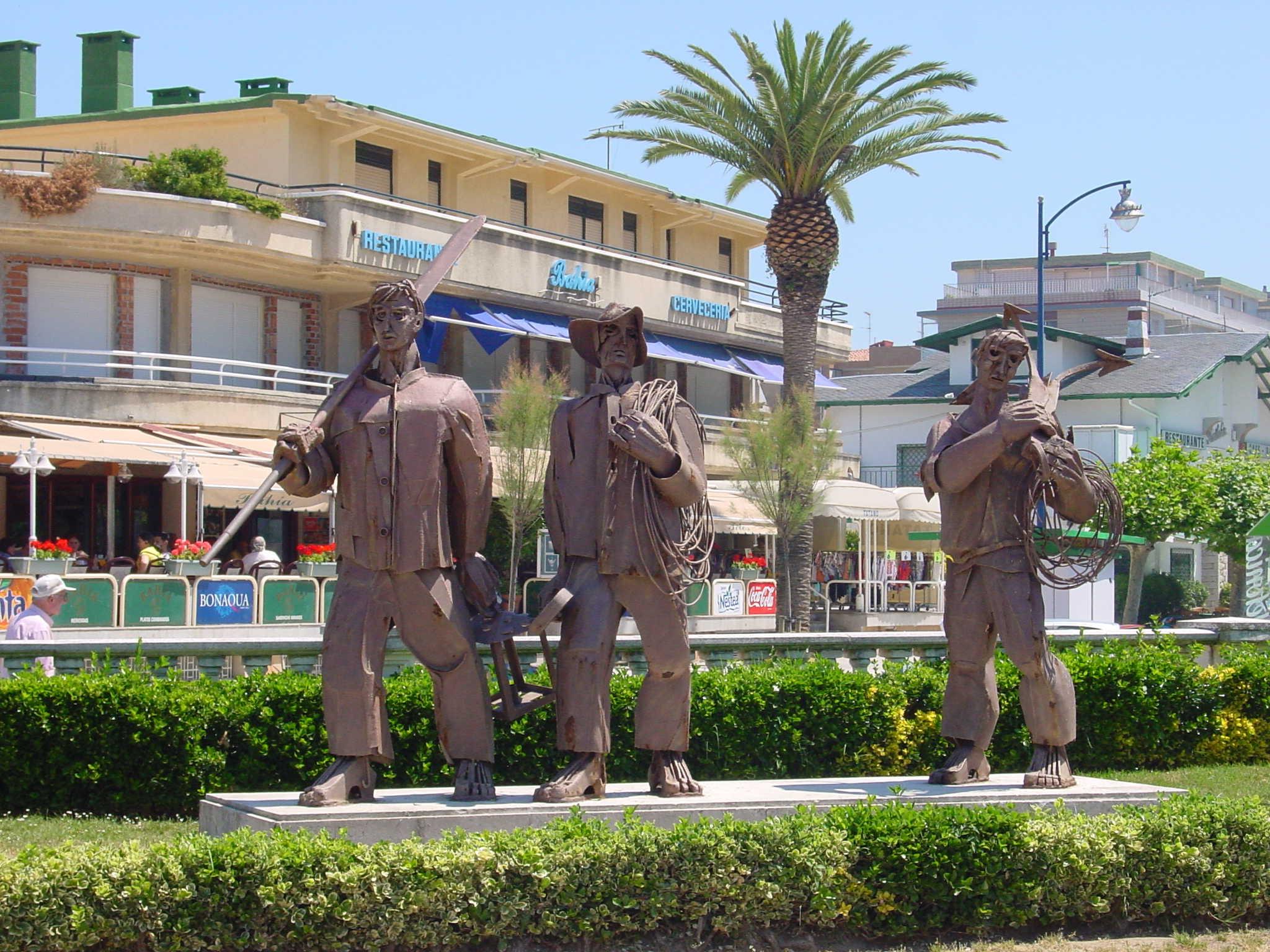 Foto playa La Salvé / Laredo. Laredo Monumento