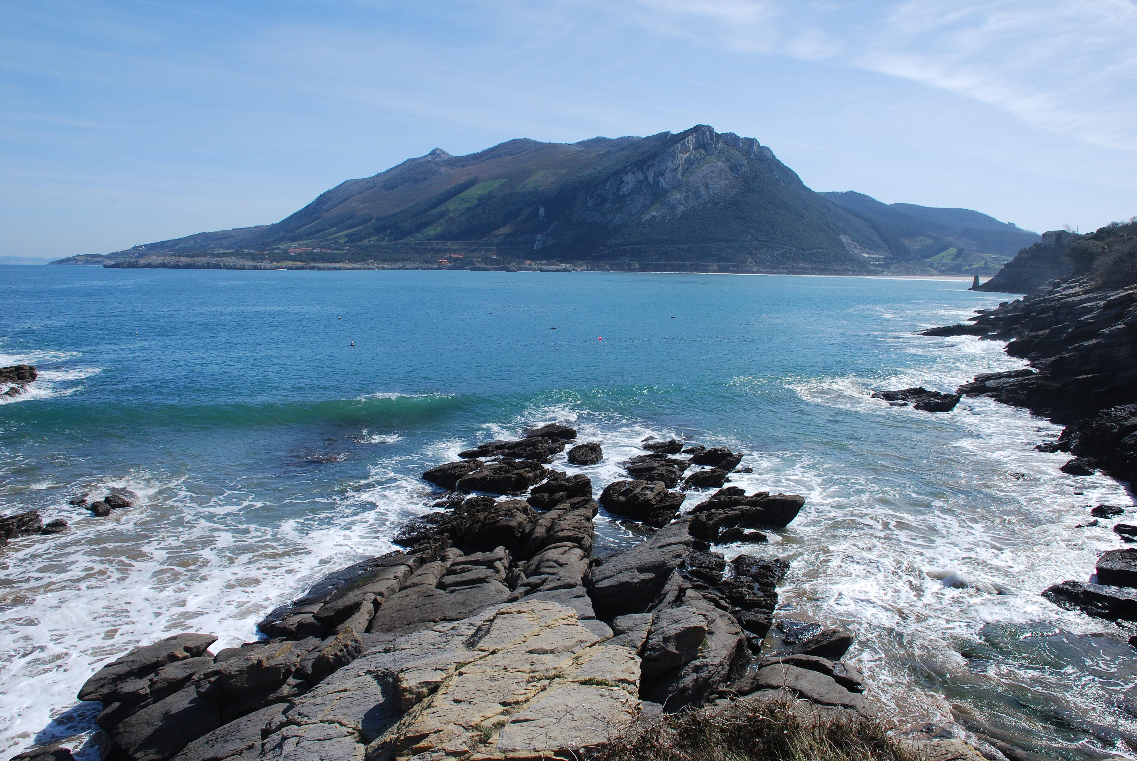 Playa Arenal de Sonabia / Valdearenas