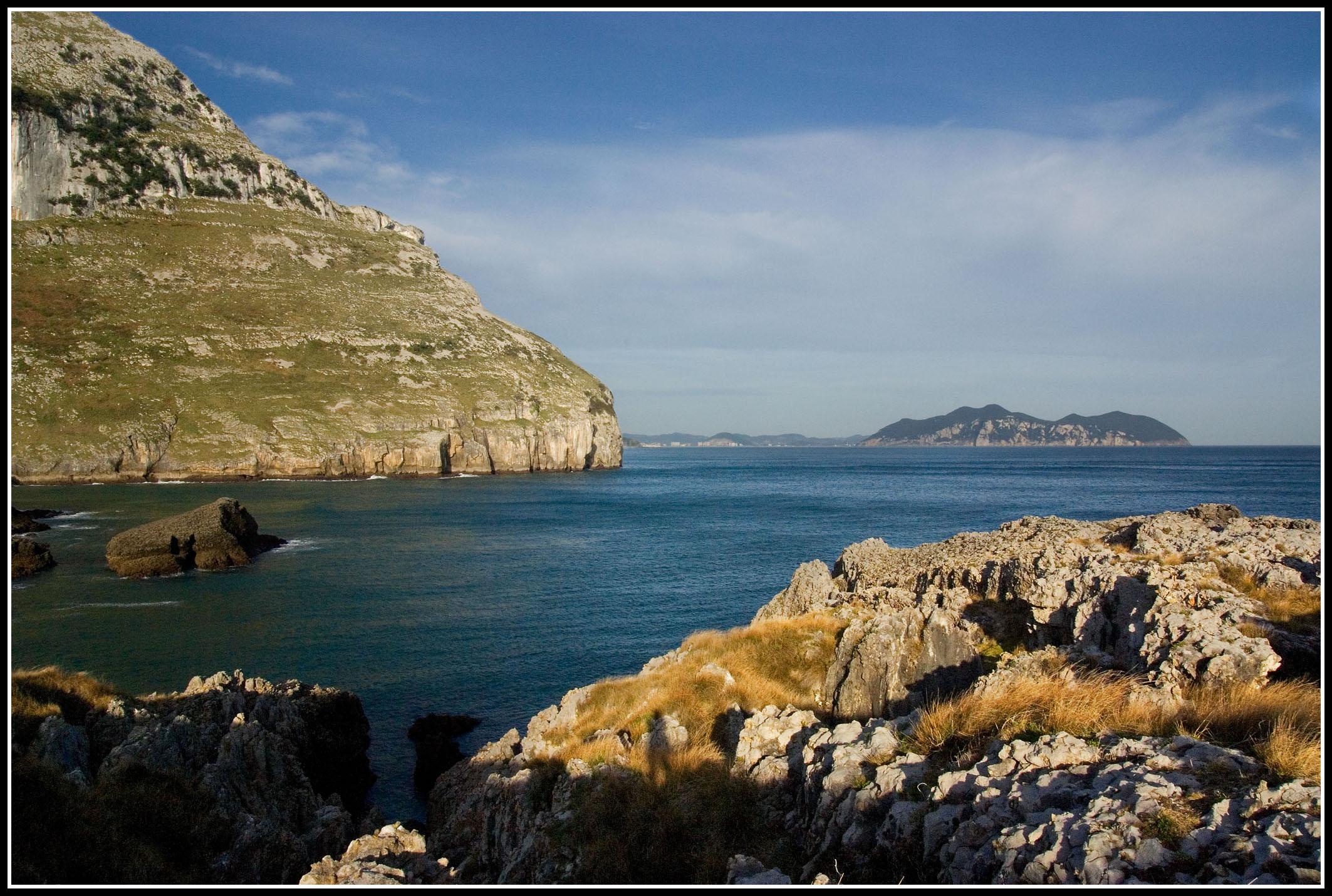 Foto playa El Berrón. La costa de Sonabia
