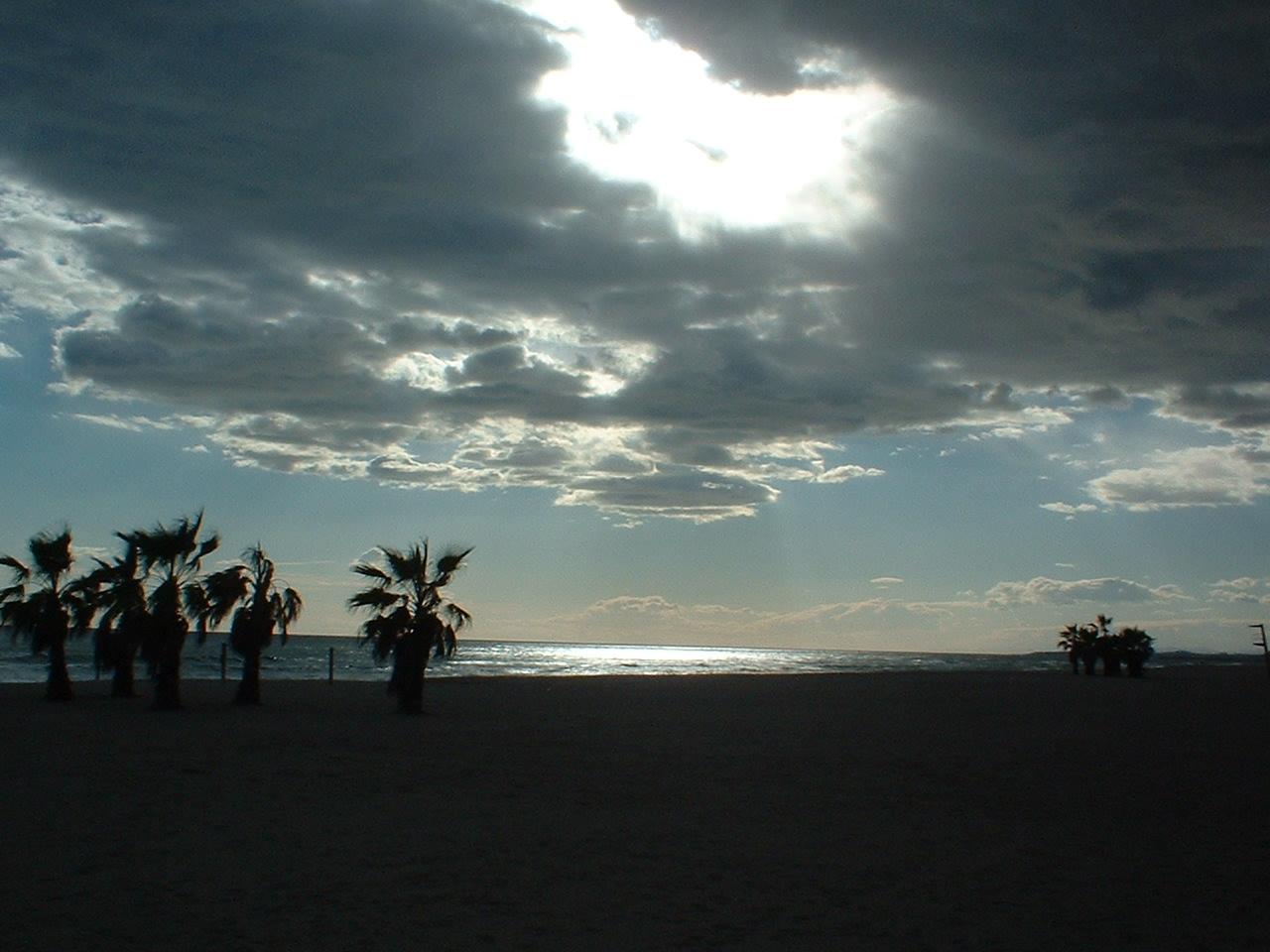 Foto playa Les Madrigueres. Calafell, la platja del sanatori, capvespre/sunset