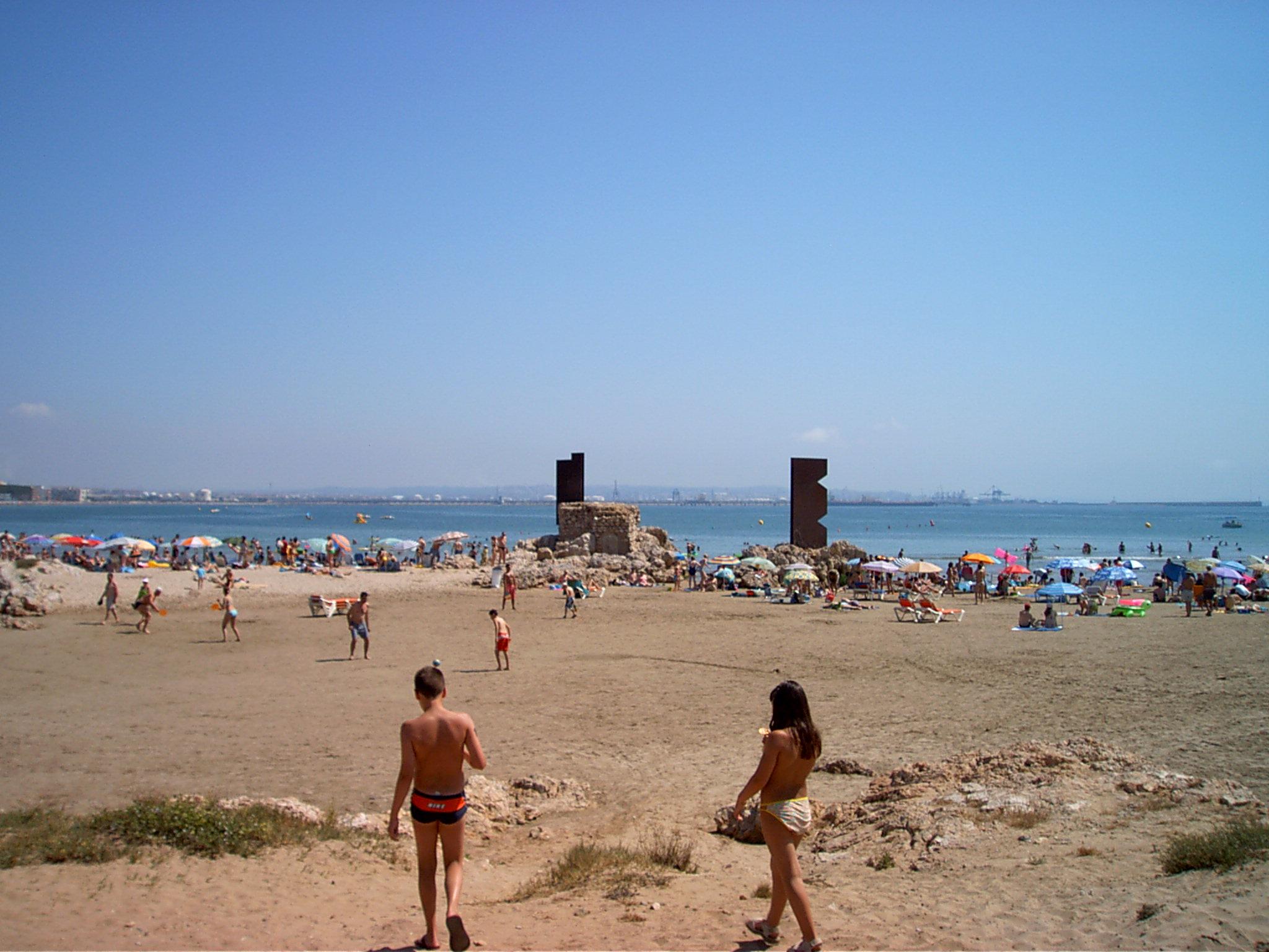 Foto playa El Reguerot de Claveguer. ...La Pineda.
