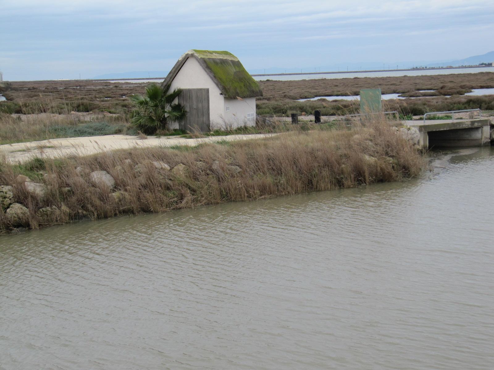 Foto playa El Trabucador. Vogelwachtershuisje Ebrodelta